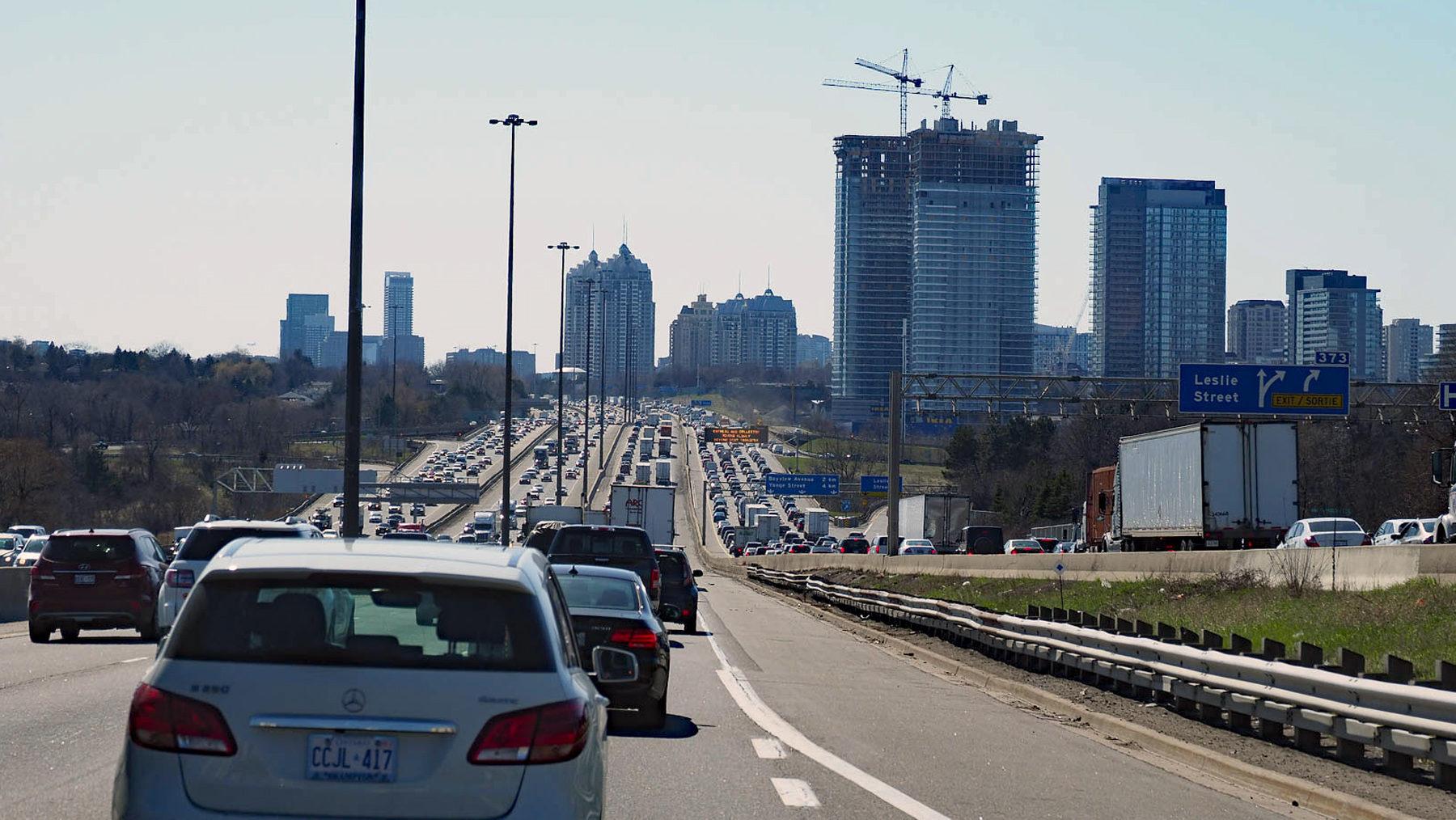 giganitsche Autobahnen in Toronto