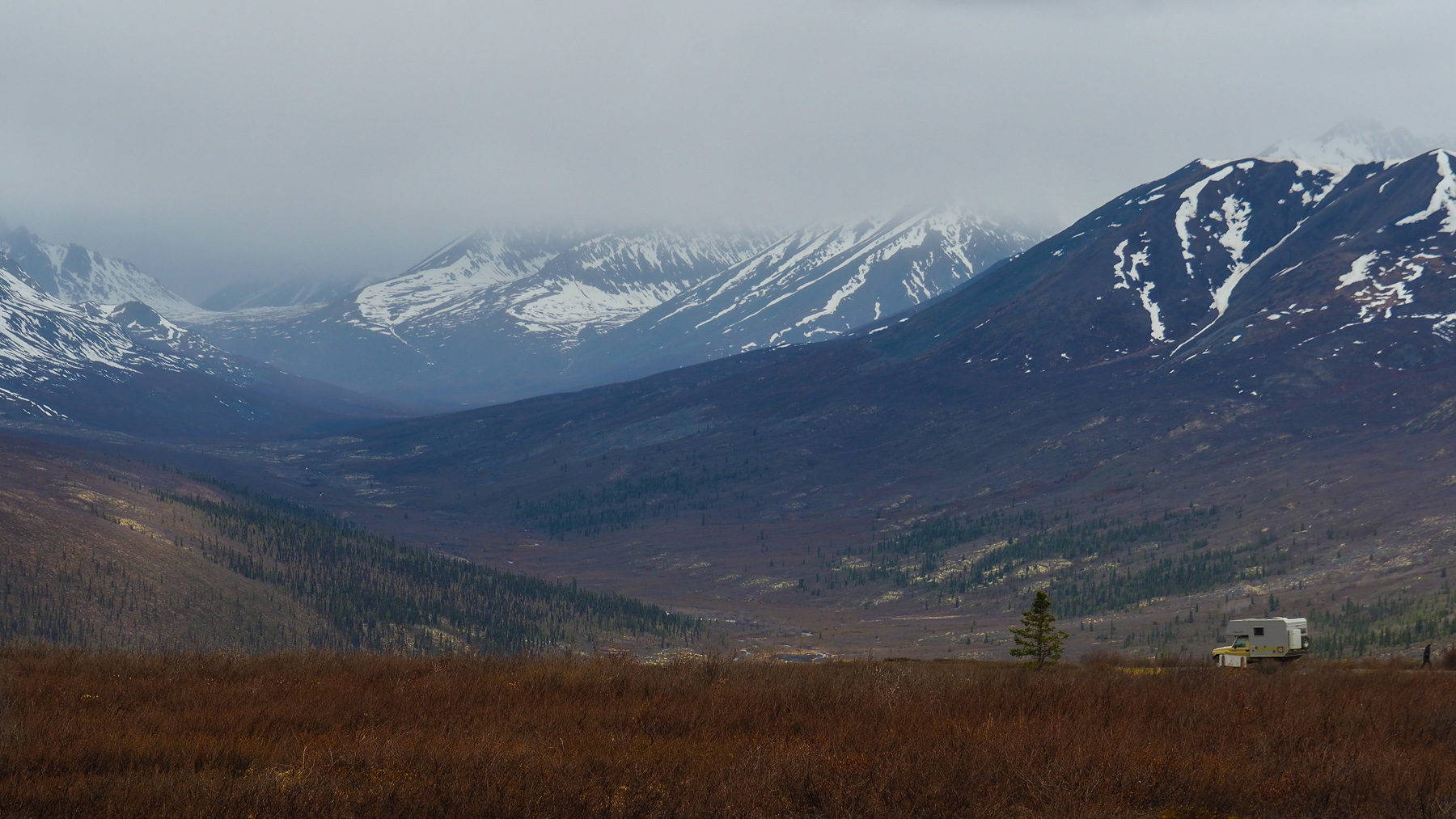 Dempster Highway, Pass bei Tombstone