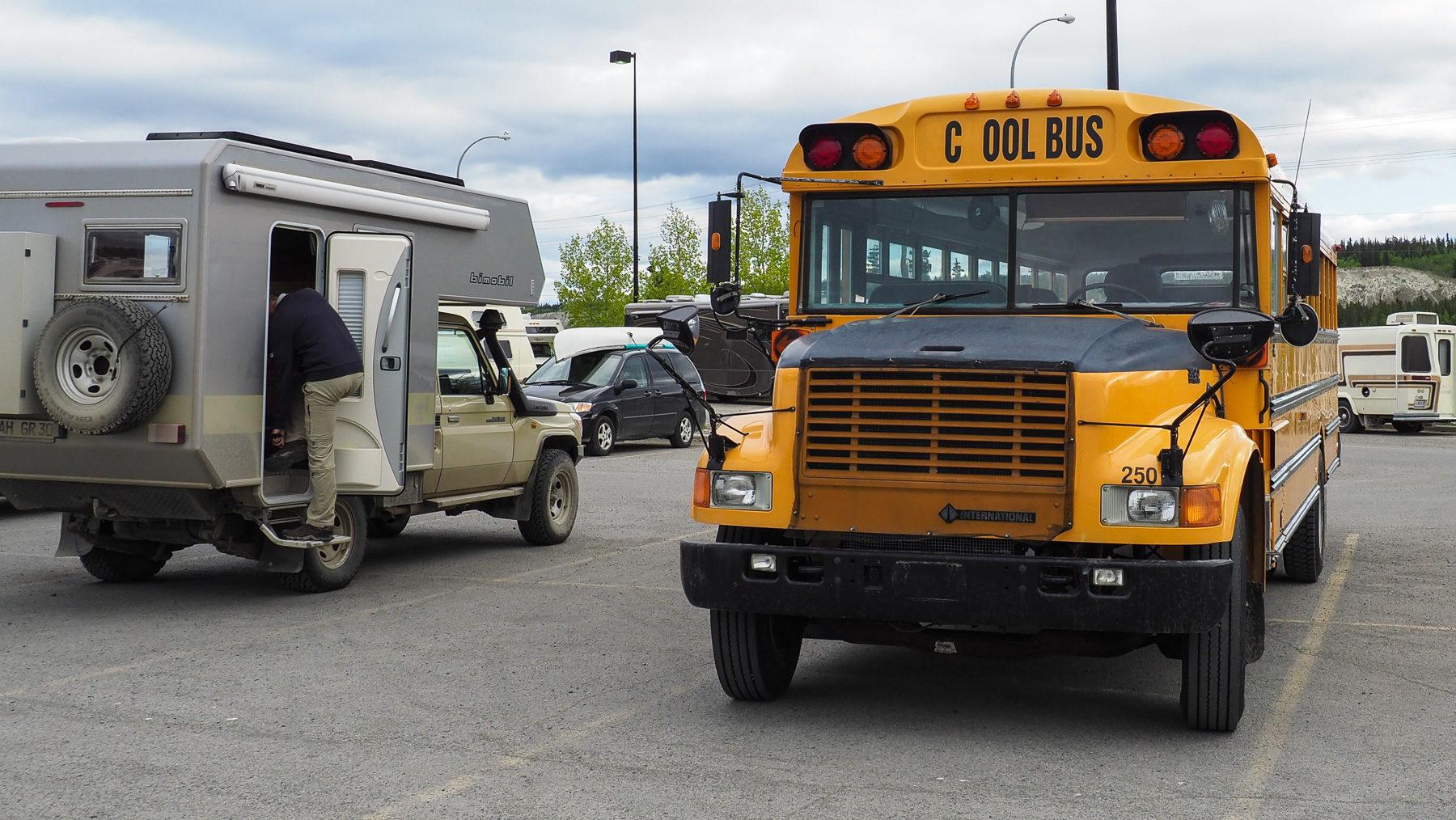 """unsere Nachbaren im """"Cool Bus"""""""