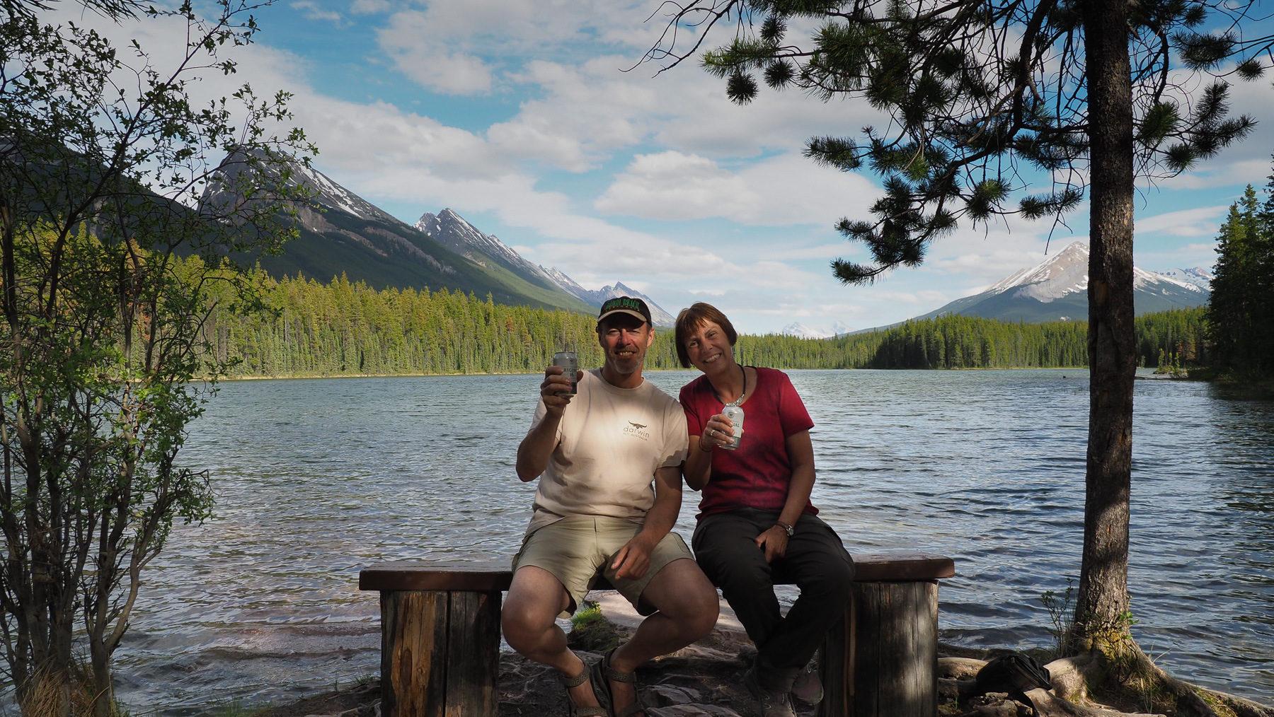 Sundowner am Honeymoon Lake