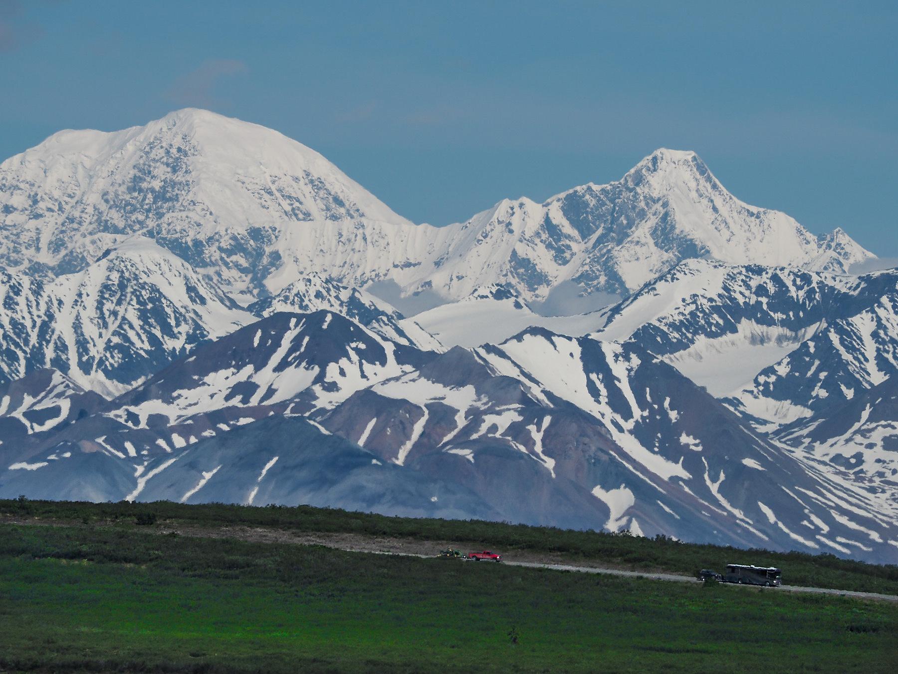 Alaska Range immer am Horizont