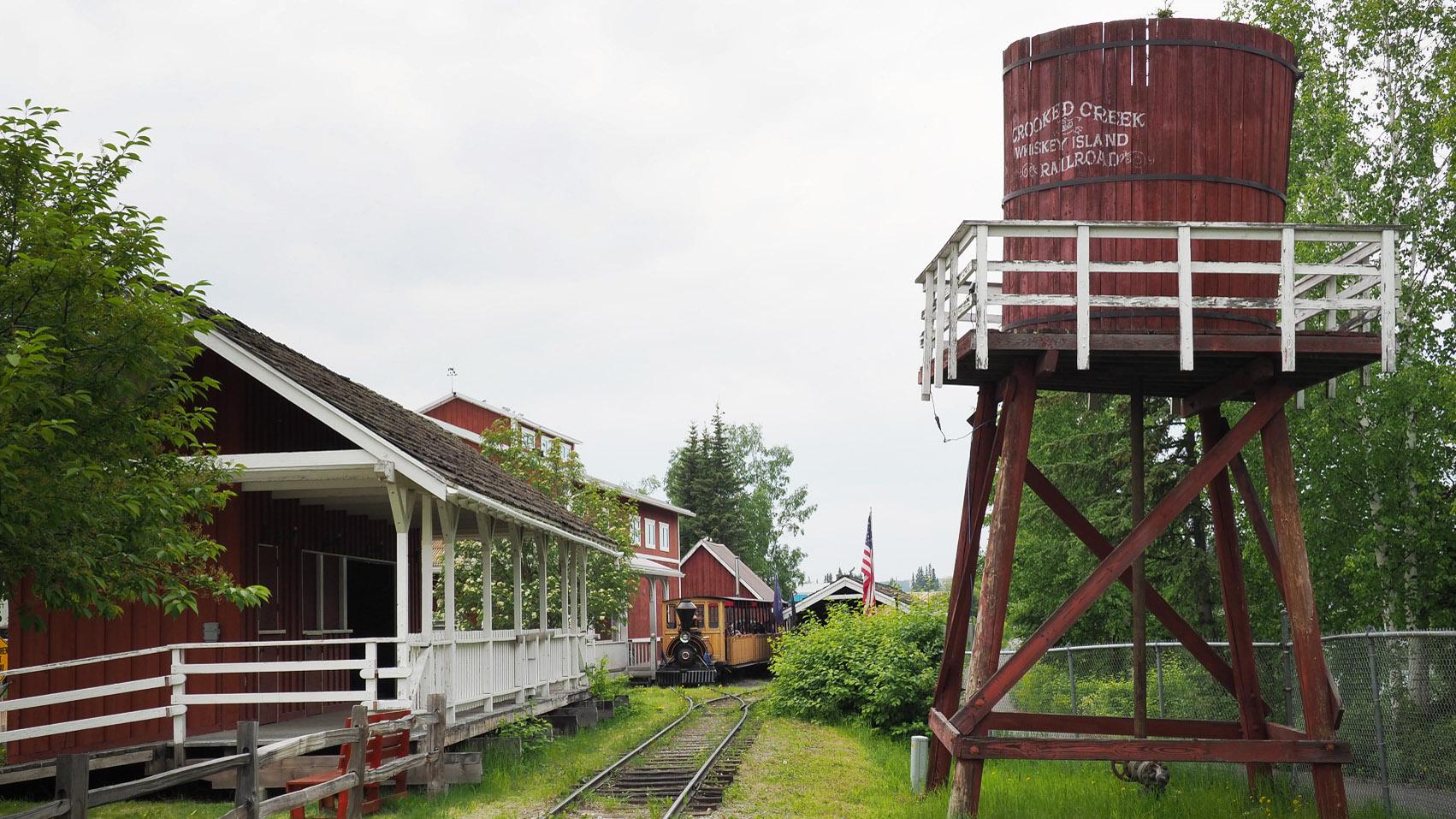 Fairbanks Pionier Park, aler Bahnhof und Lok
