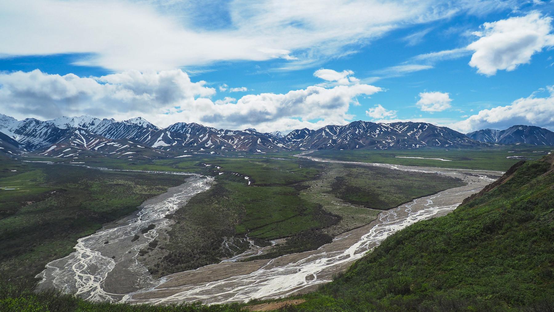 weite Gletschertäler prägen die Landschaft