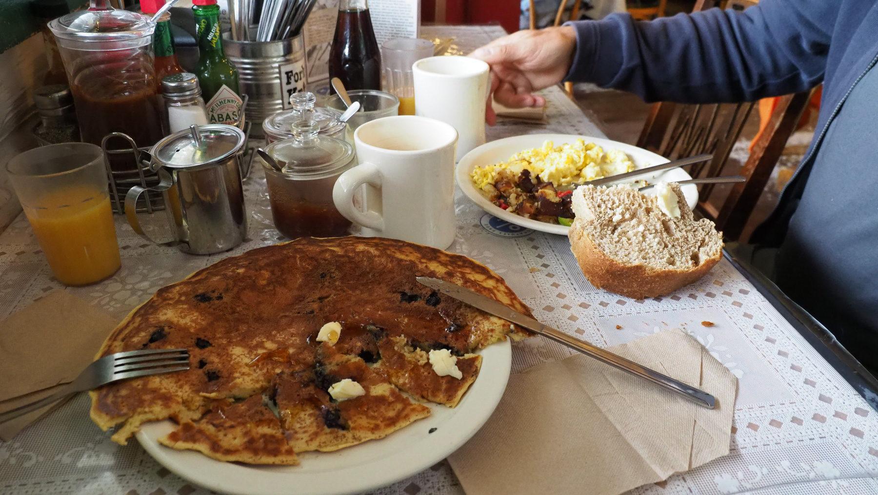 Sourdough Pancake mit Blaubeeren