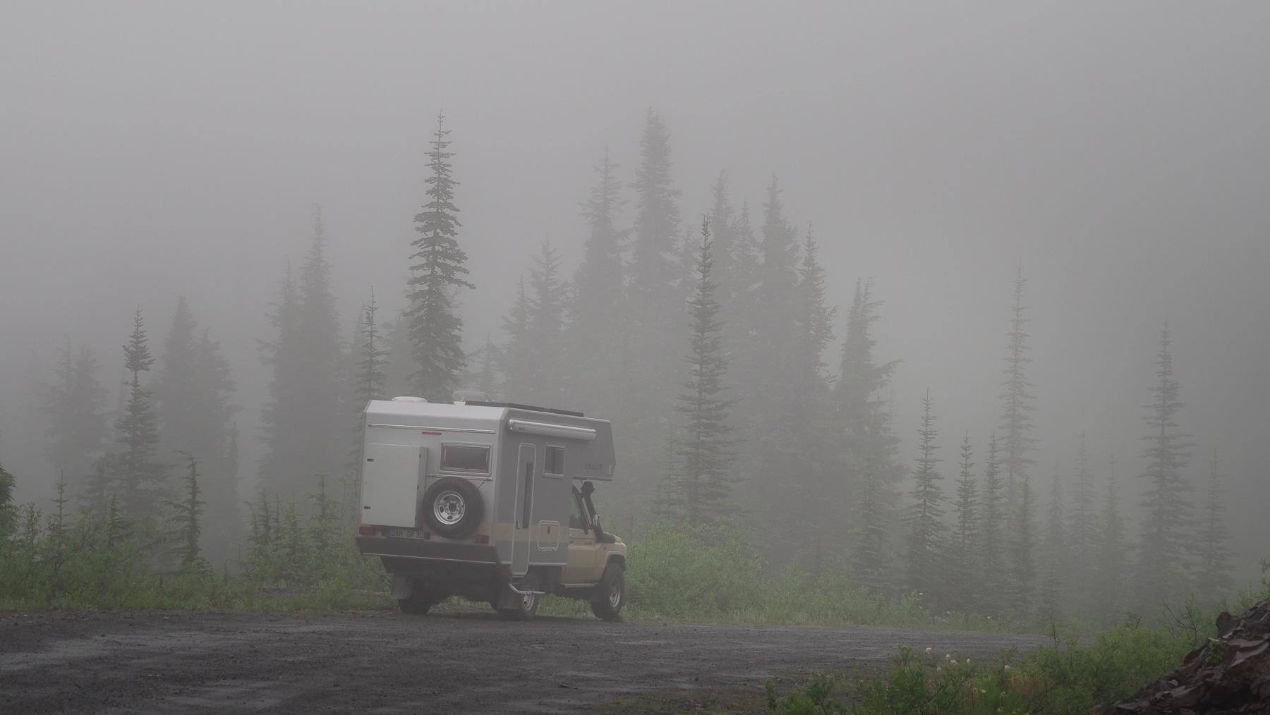 Übernachtungsplatz im Nebel - Depri-Stimmung