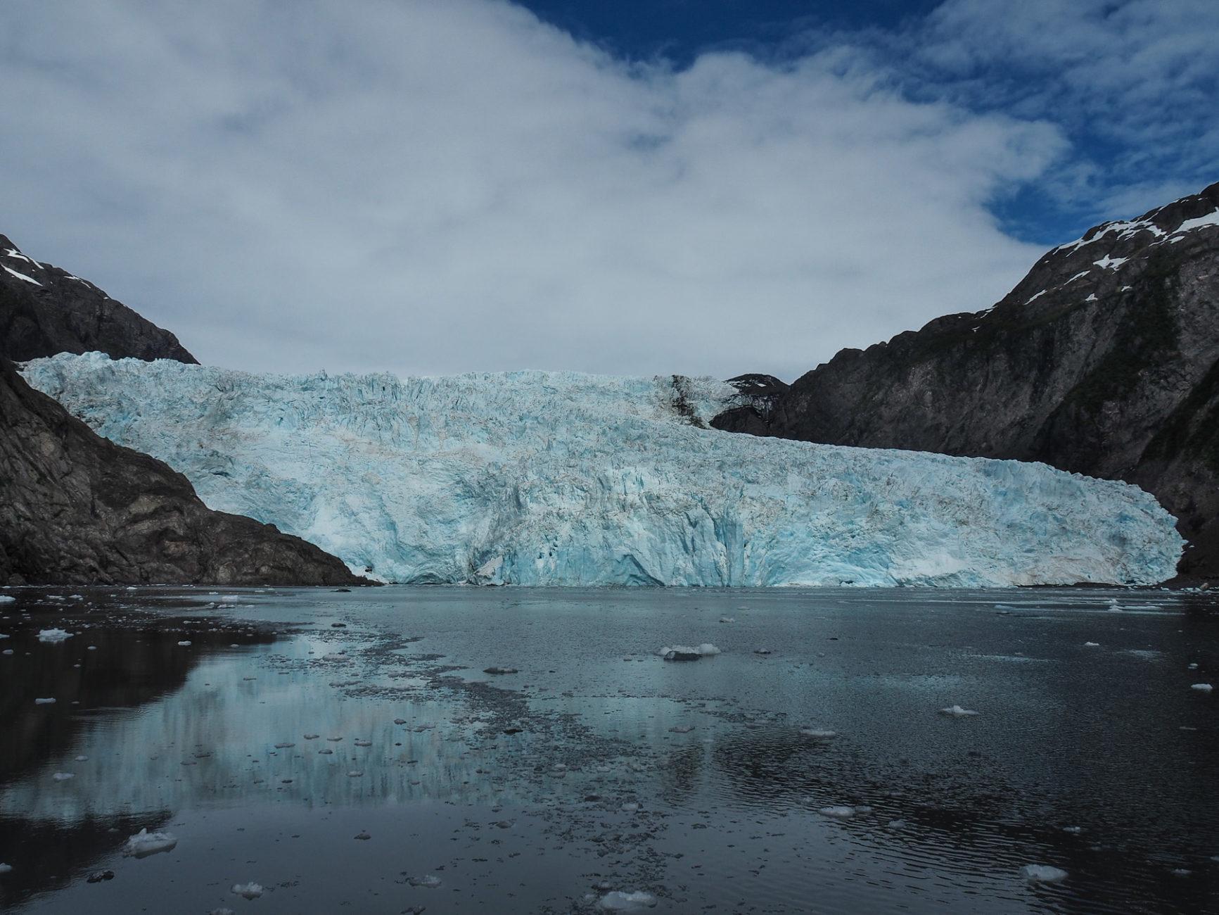beeindruckender Gletscherabbruch ins Meer