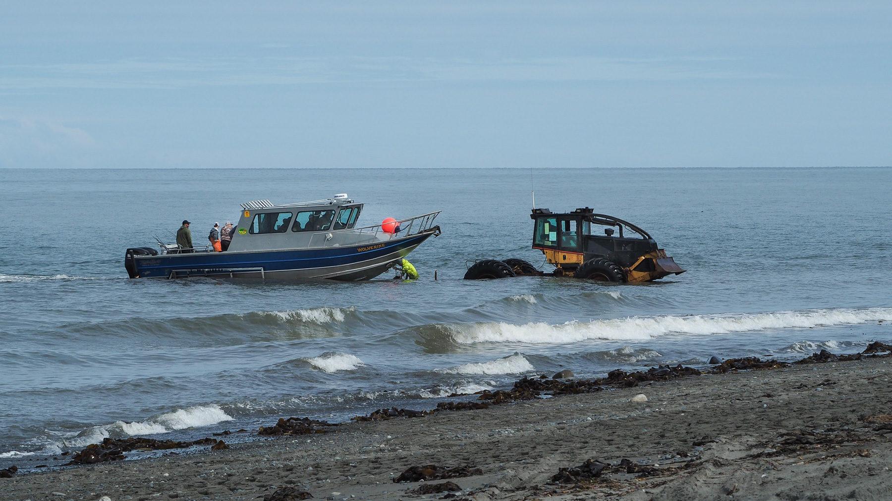 ...geht ohne Steg oder Hafen prima. Einfach Bootshänger ins Wasser fahren