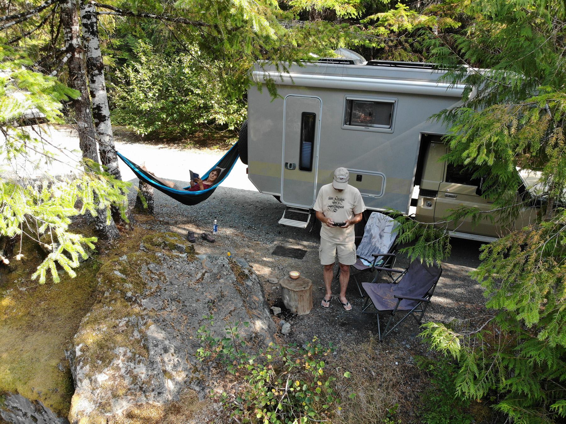 Bade- und Übernachtungsplatz für ein paar Tage in der Wildnis