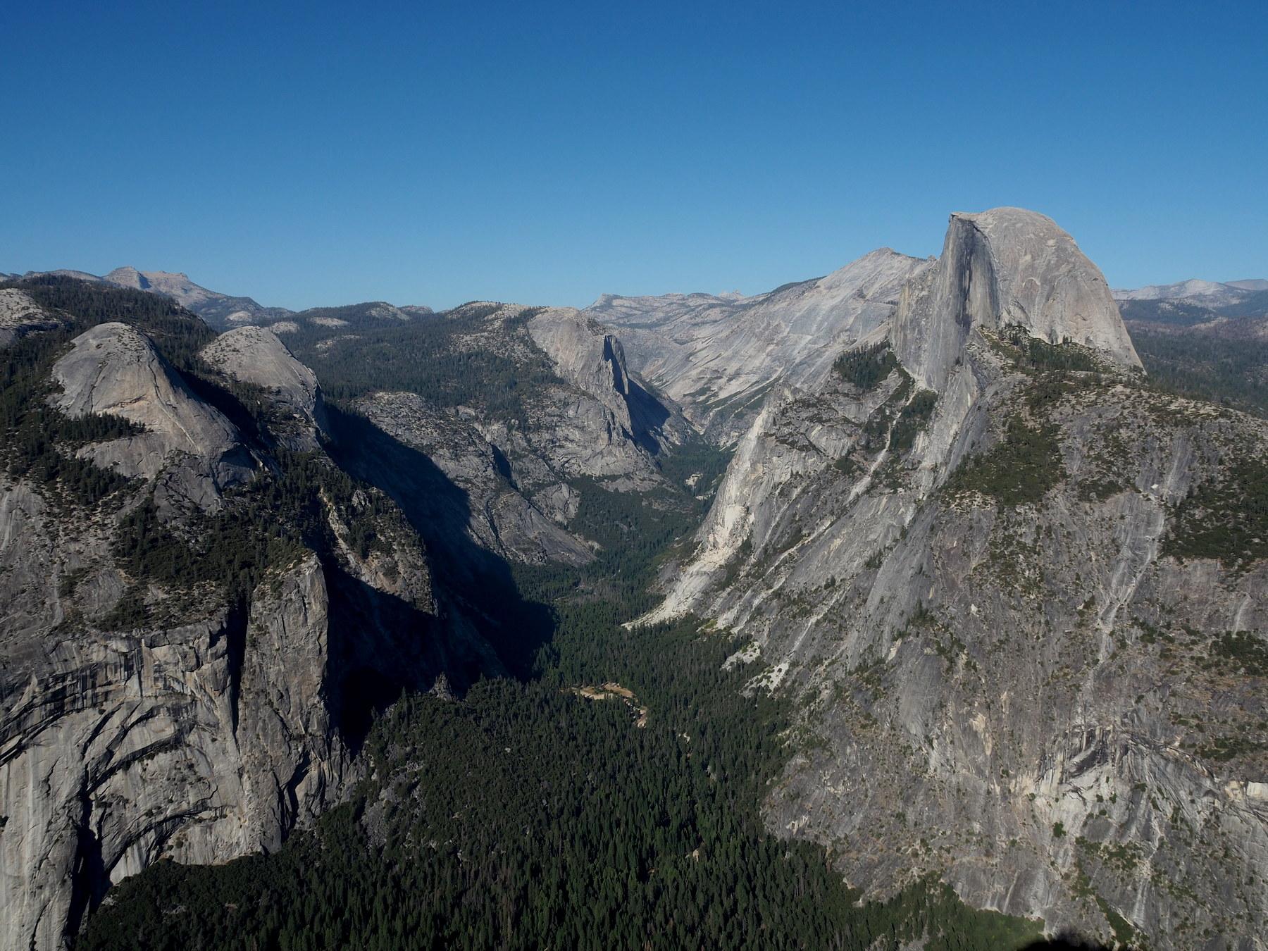 Blick vom Glacier Point - rechts der Half Dome