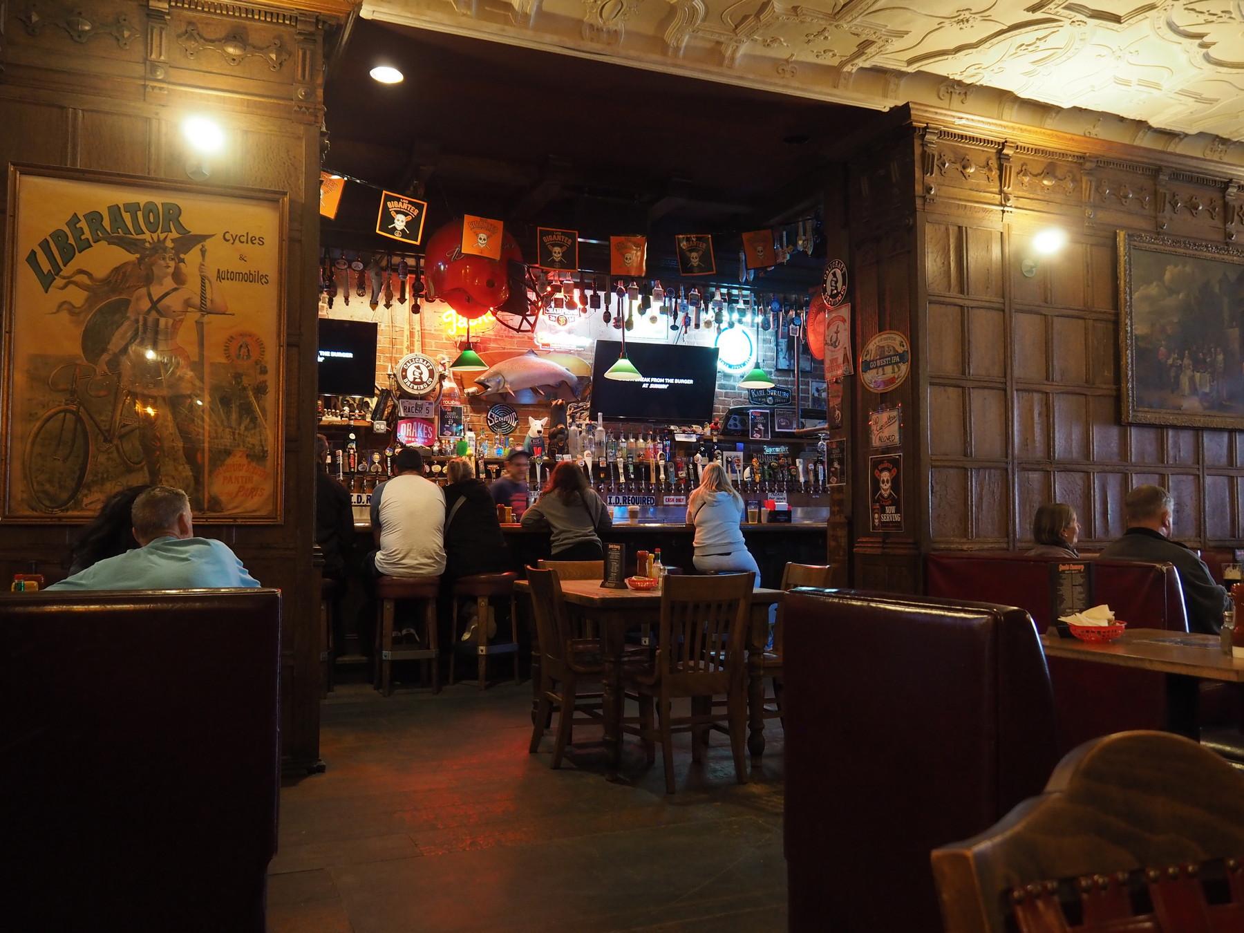 Die Bar vom Jack mit 68 Bieren vom Faß