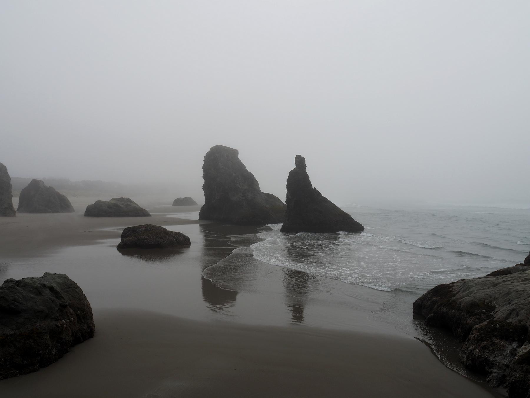 geheimnisvoller Strand am Face Rock