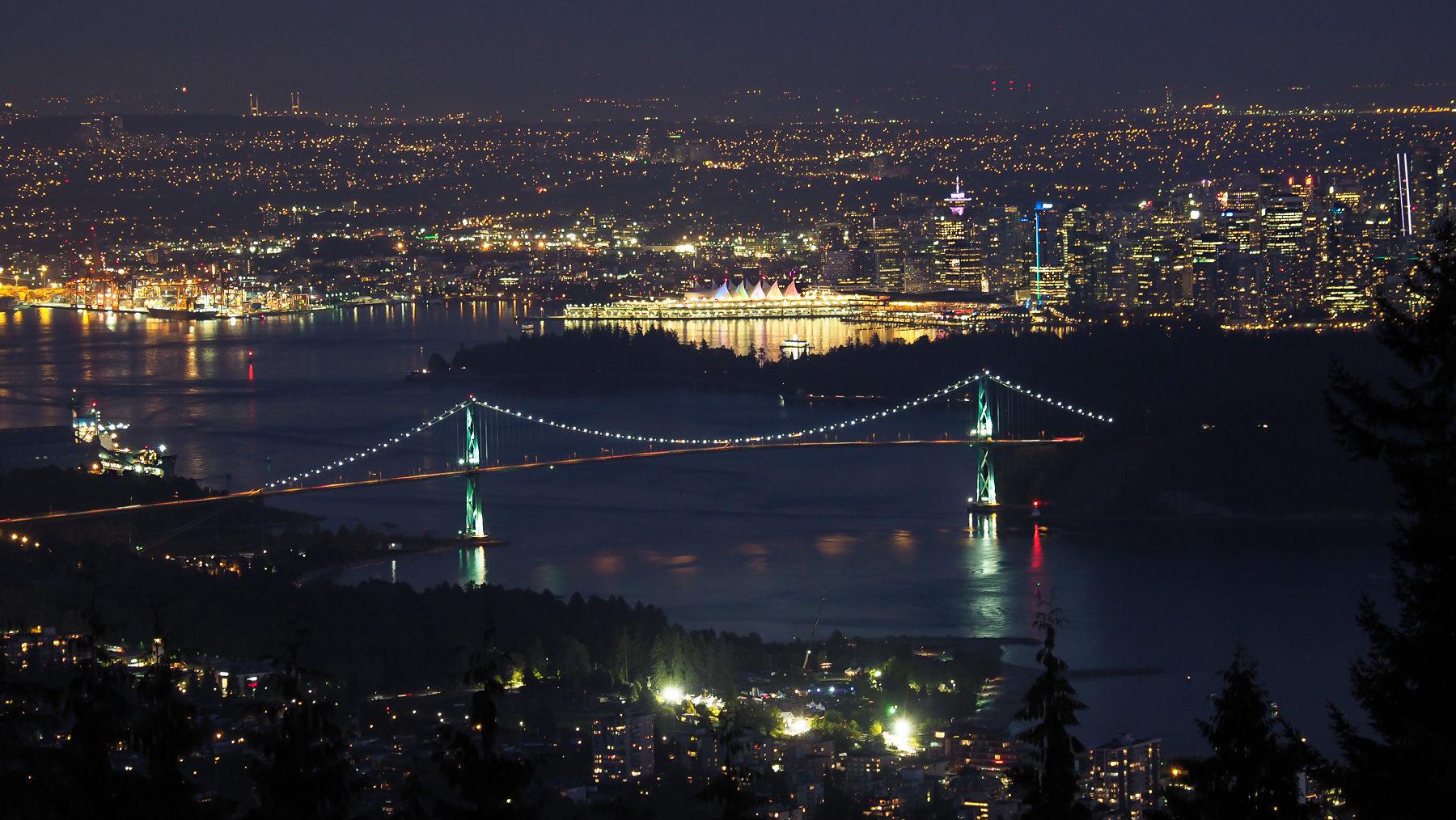 Vancouver City bei Nacht (von unserem Schlafplatz aus)