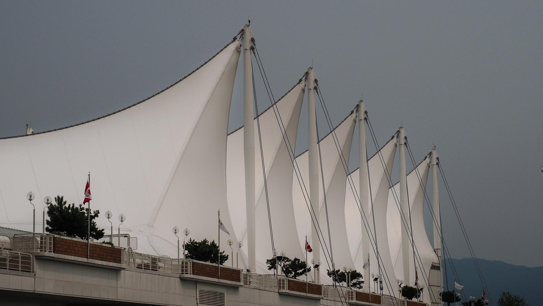 Canada Place und Anlegestelle der Kreuzfahrschiffe