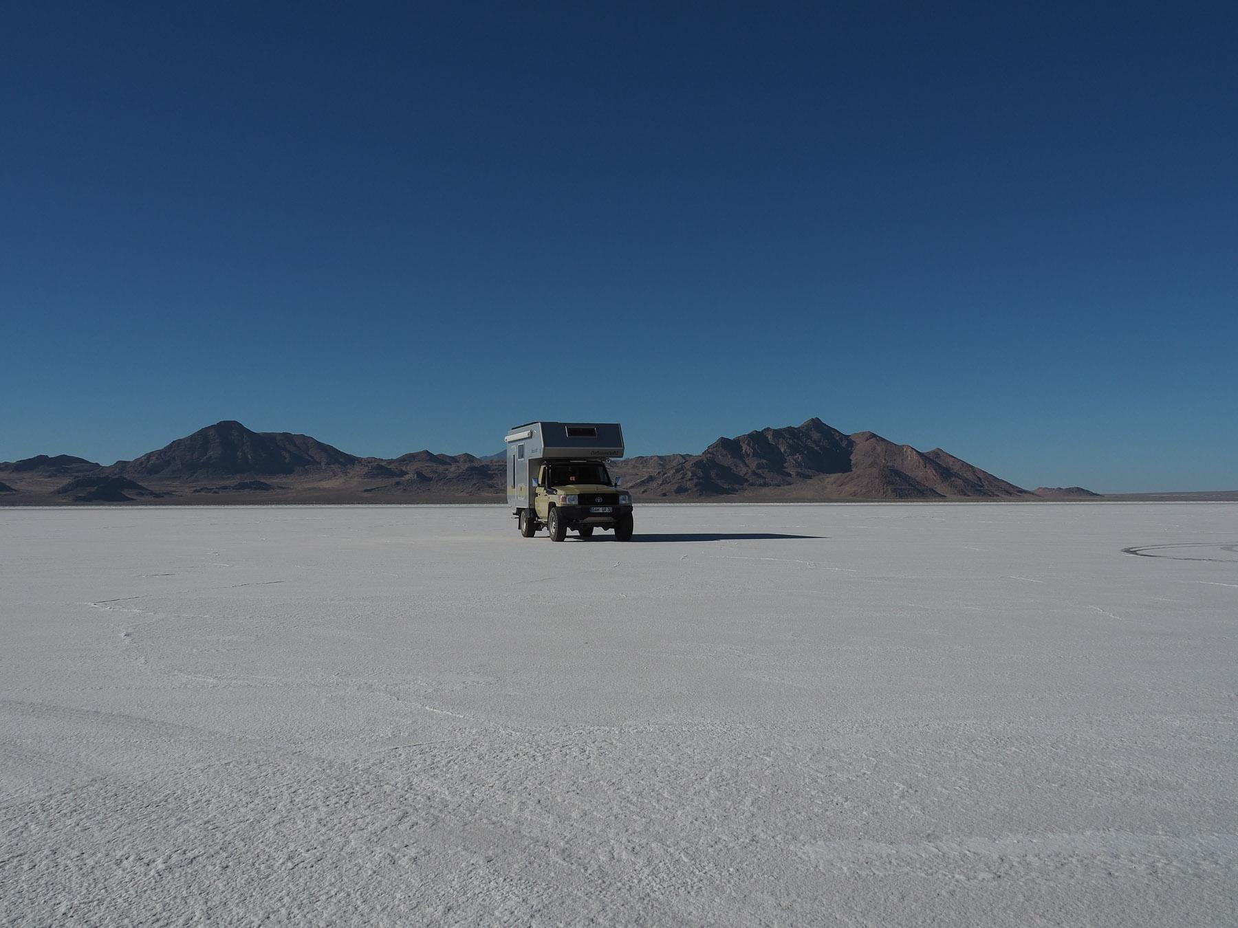 Blendend weißes Salz -Salzsee bei Salz Lake City