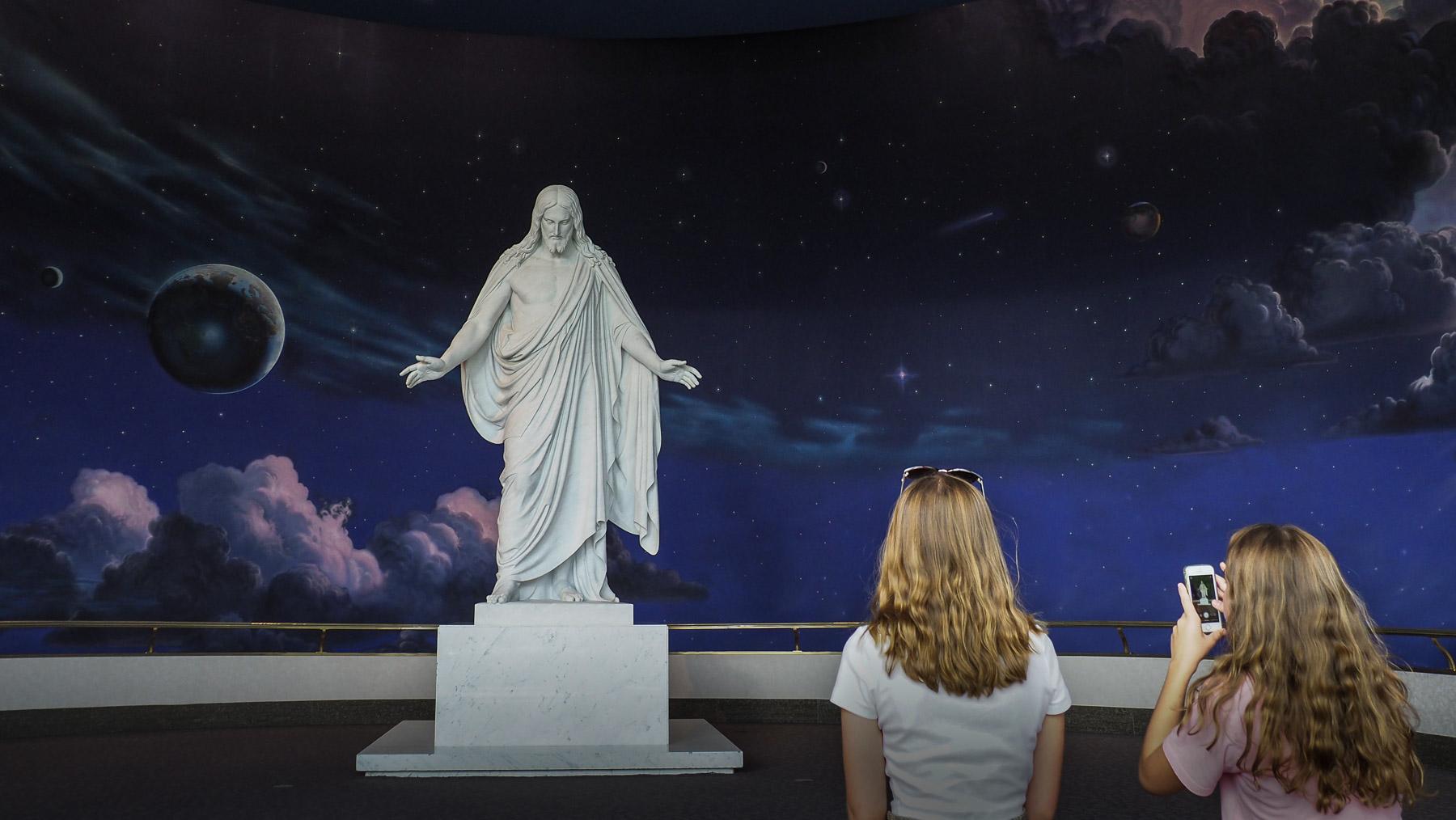 Christusstatue im Visitor Center der Mormonen
