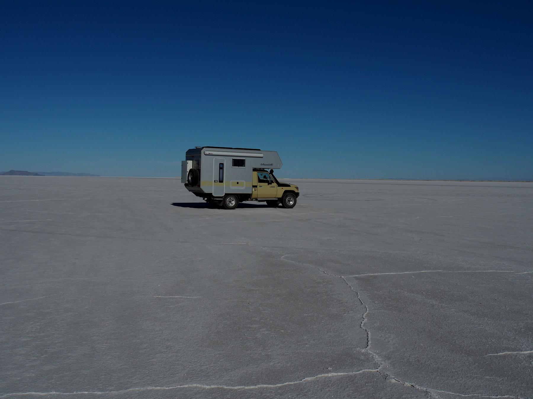 Unwirkliche Umgebung auf dem Salzsee