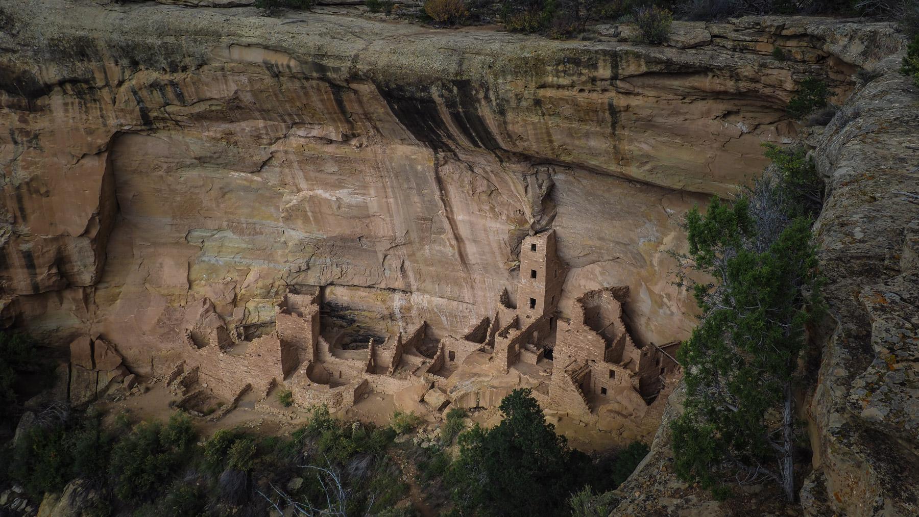 Mesa Verde, Square Tower House  – gut erhaltene Felsbehausungen der Pueblo Indiander