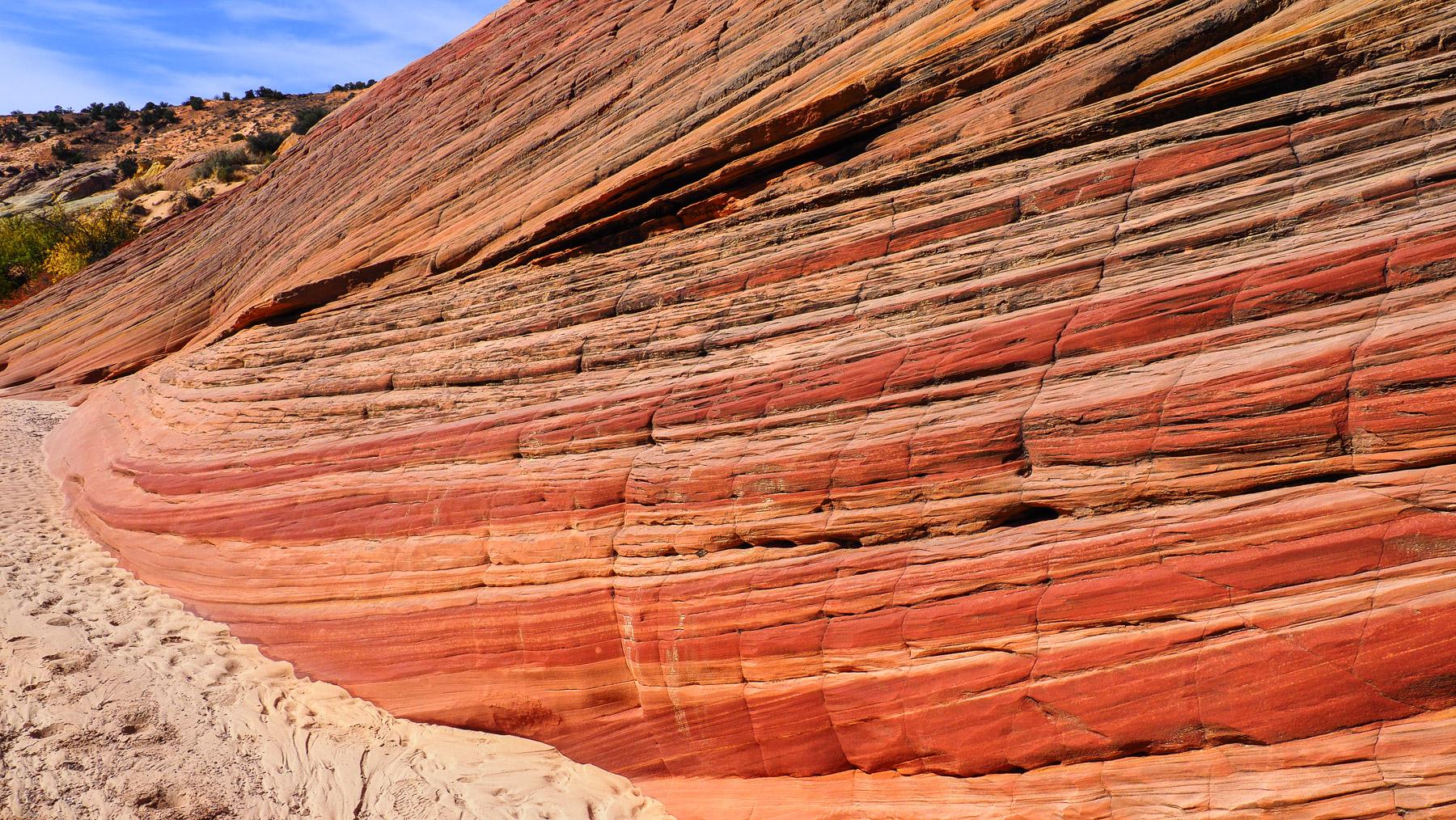 Die Farben und Felsstrukturen in diesem kleinen Canyon sind unglaublich
