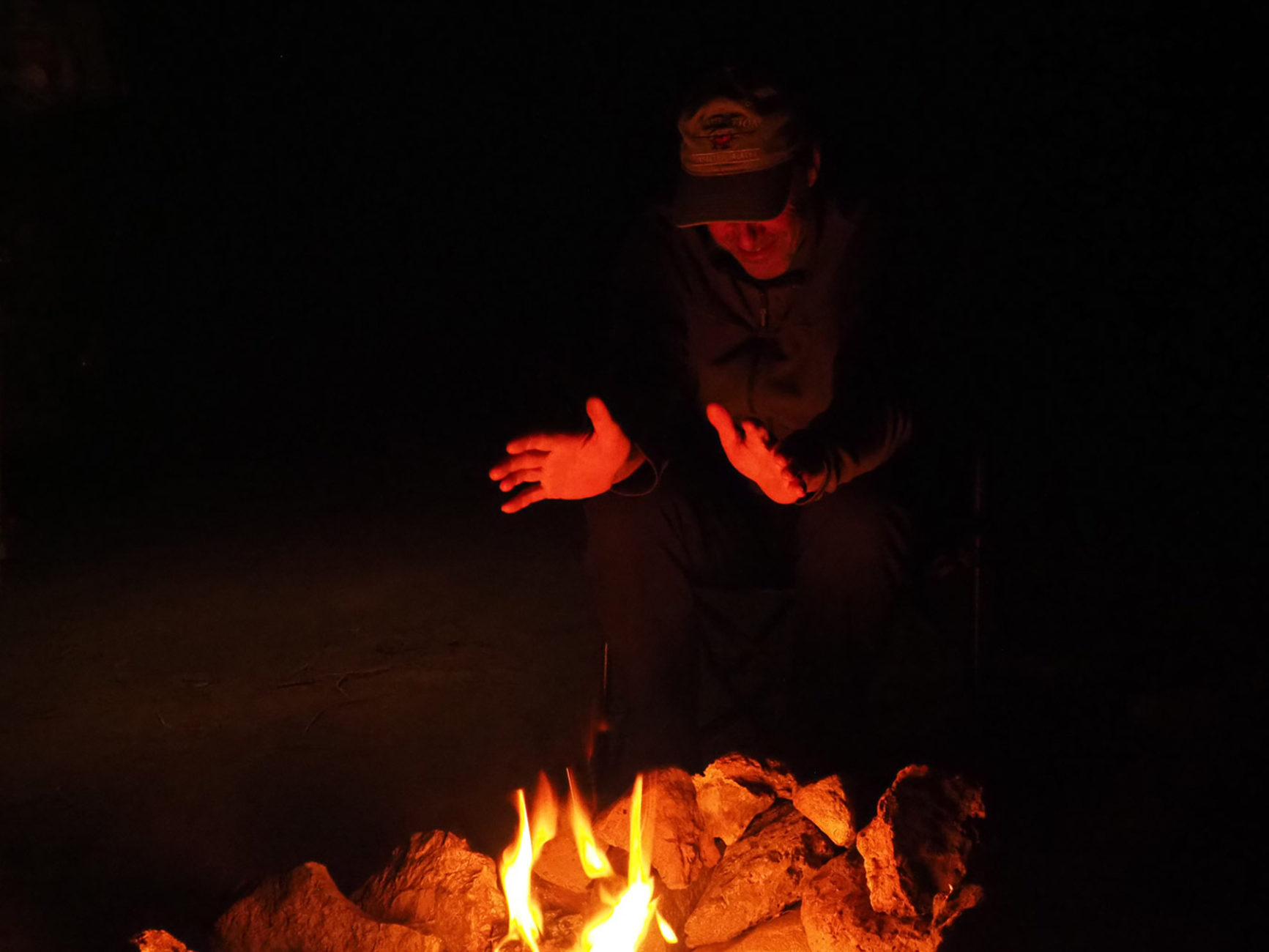 Lagerfeuer am Base Camp, in der Wildnis außerhalb von Zion