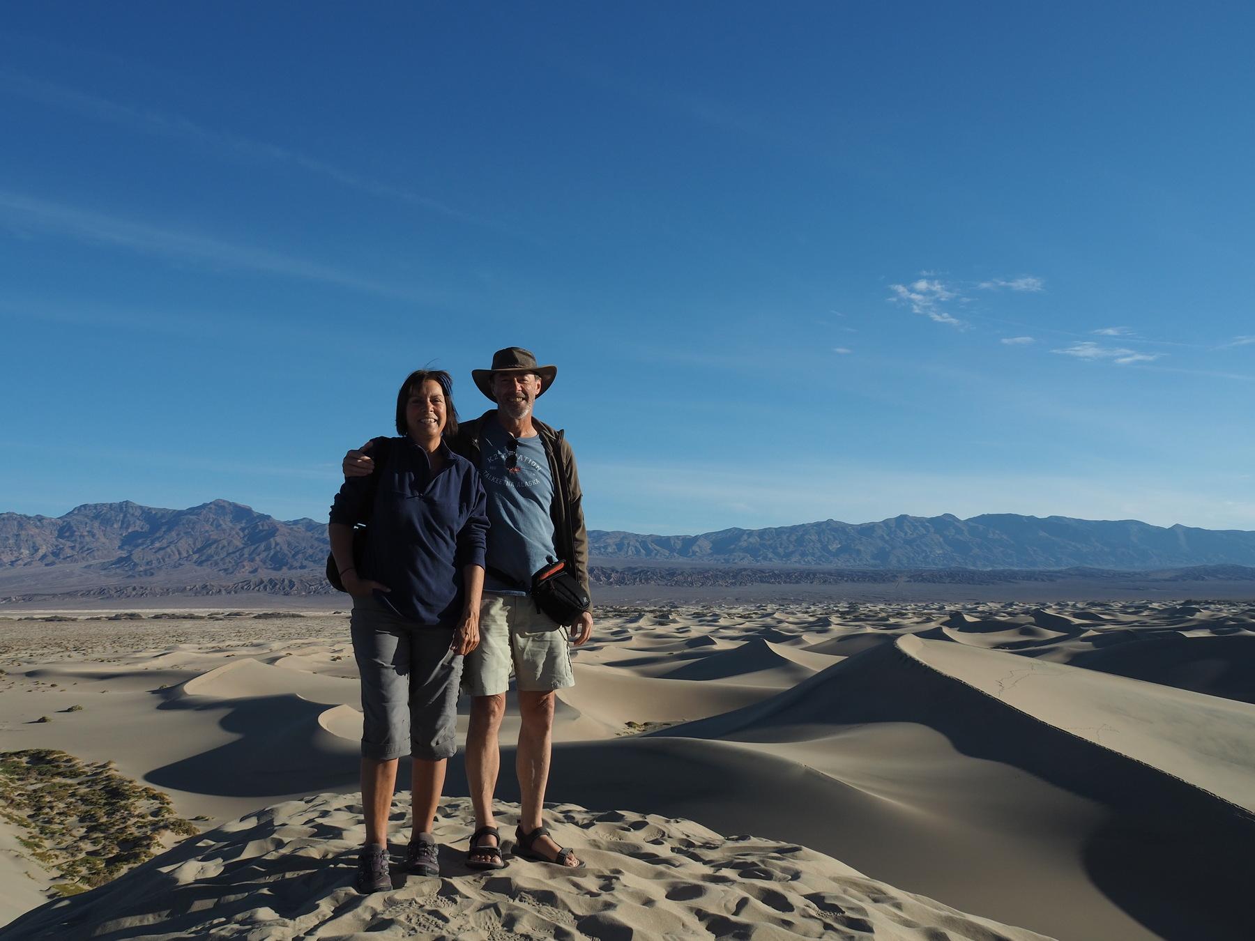 Auf der höchsten Düne in den Mosquito Flat Dunes