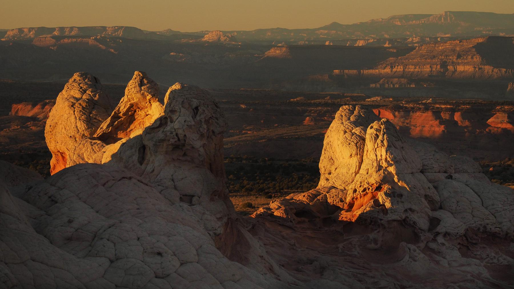 Im Hintergrund die Vermilion Cliffs Formationen