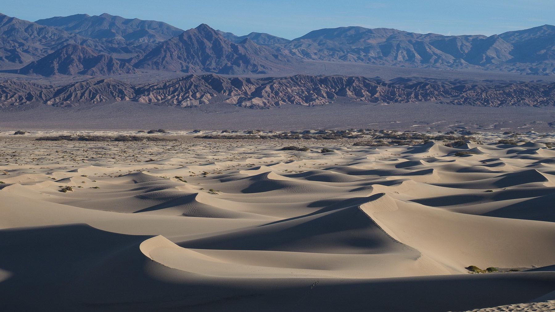 Schöne Sanddünen im Death Valley