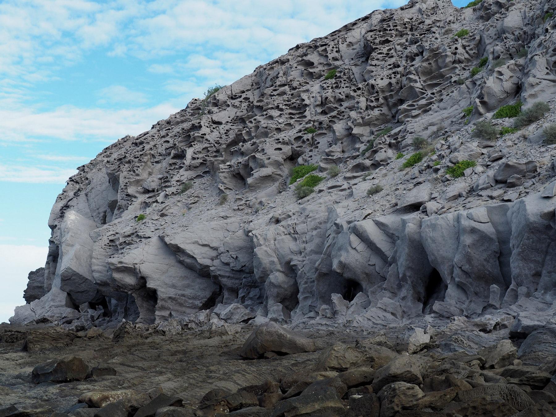 Verwitterter Sandstein am Ende der Bucht