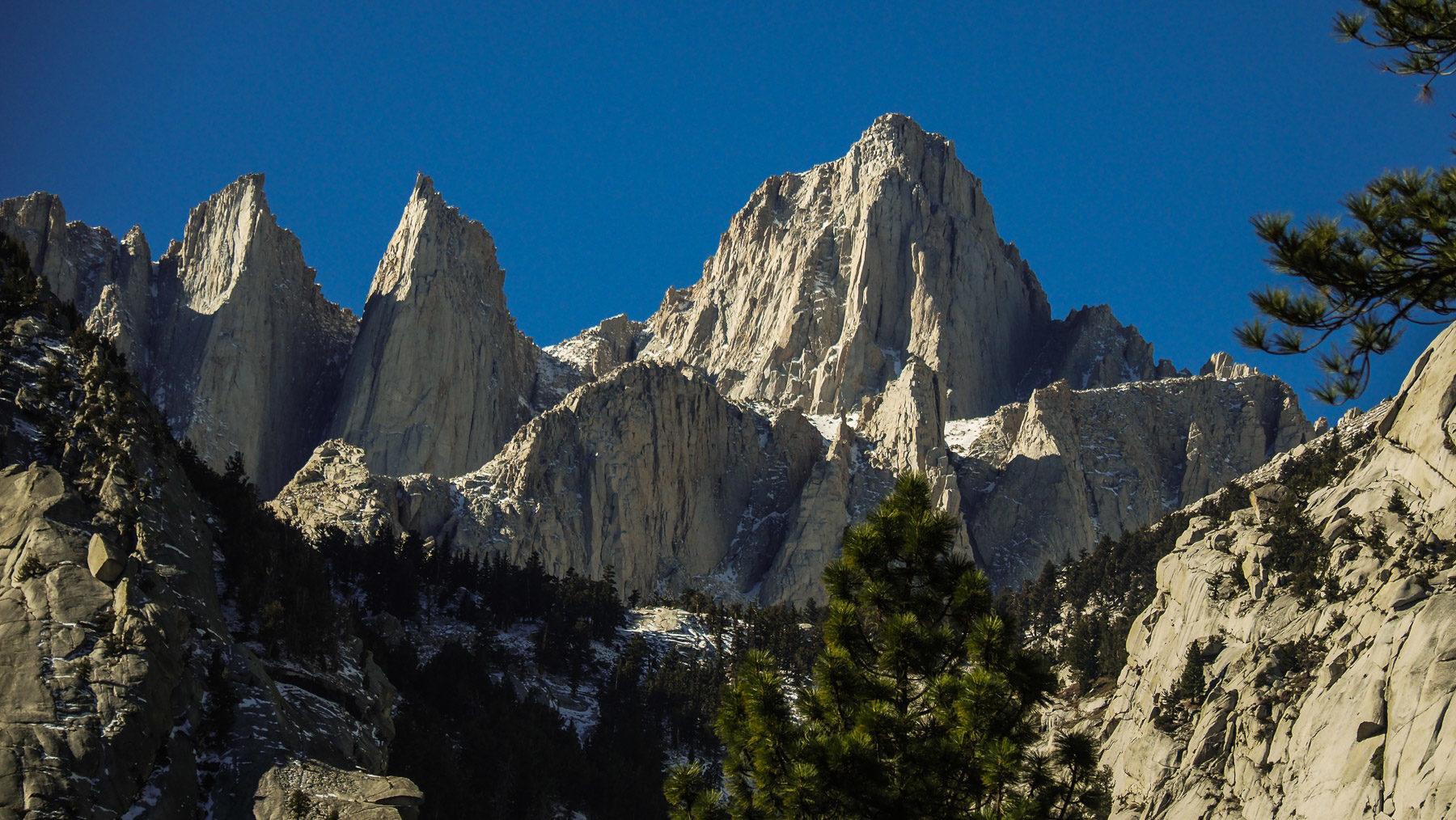 Fahrt Richtung Mount Whitney, dem höchsten Berg der USA außerhalb von Alaska