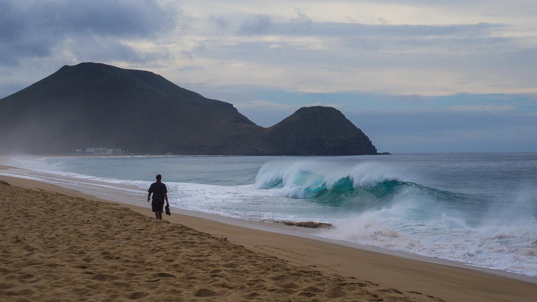 Beeindruckende Wellen an den Pazifikstränden