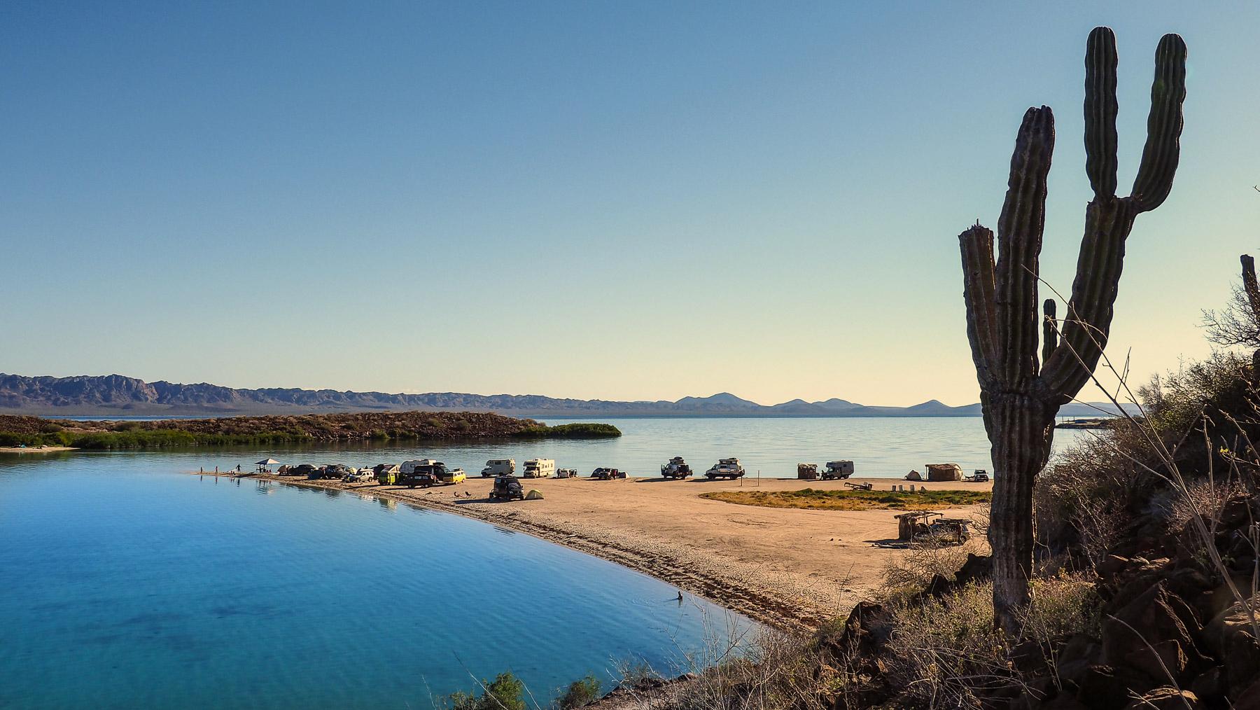 Zur nächsten schönen Bucht: Playa de Requeson