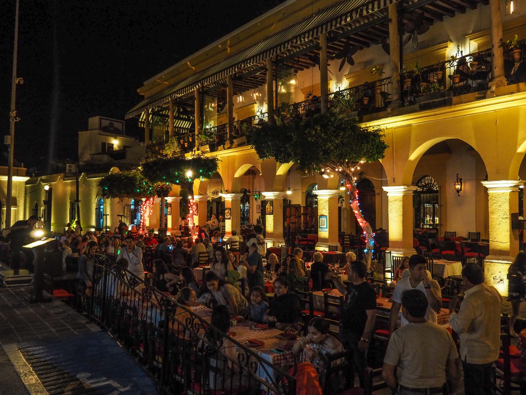 Tolle Stimmung in Mazatlán am Abend