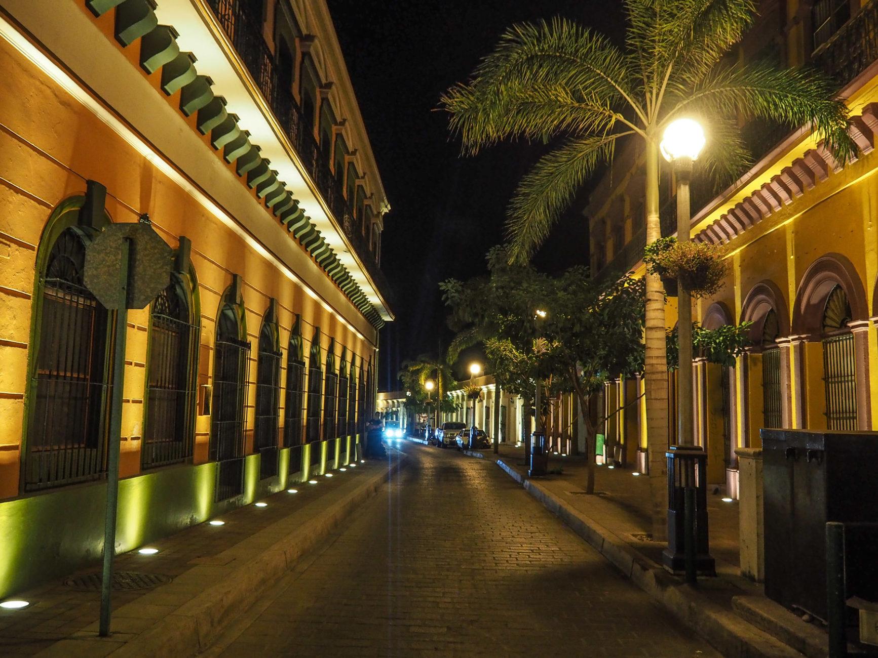 Schön beleuchtete Altstadt von Mazatlán