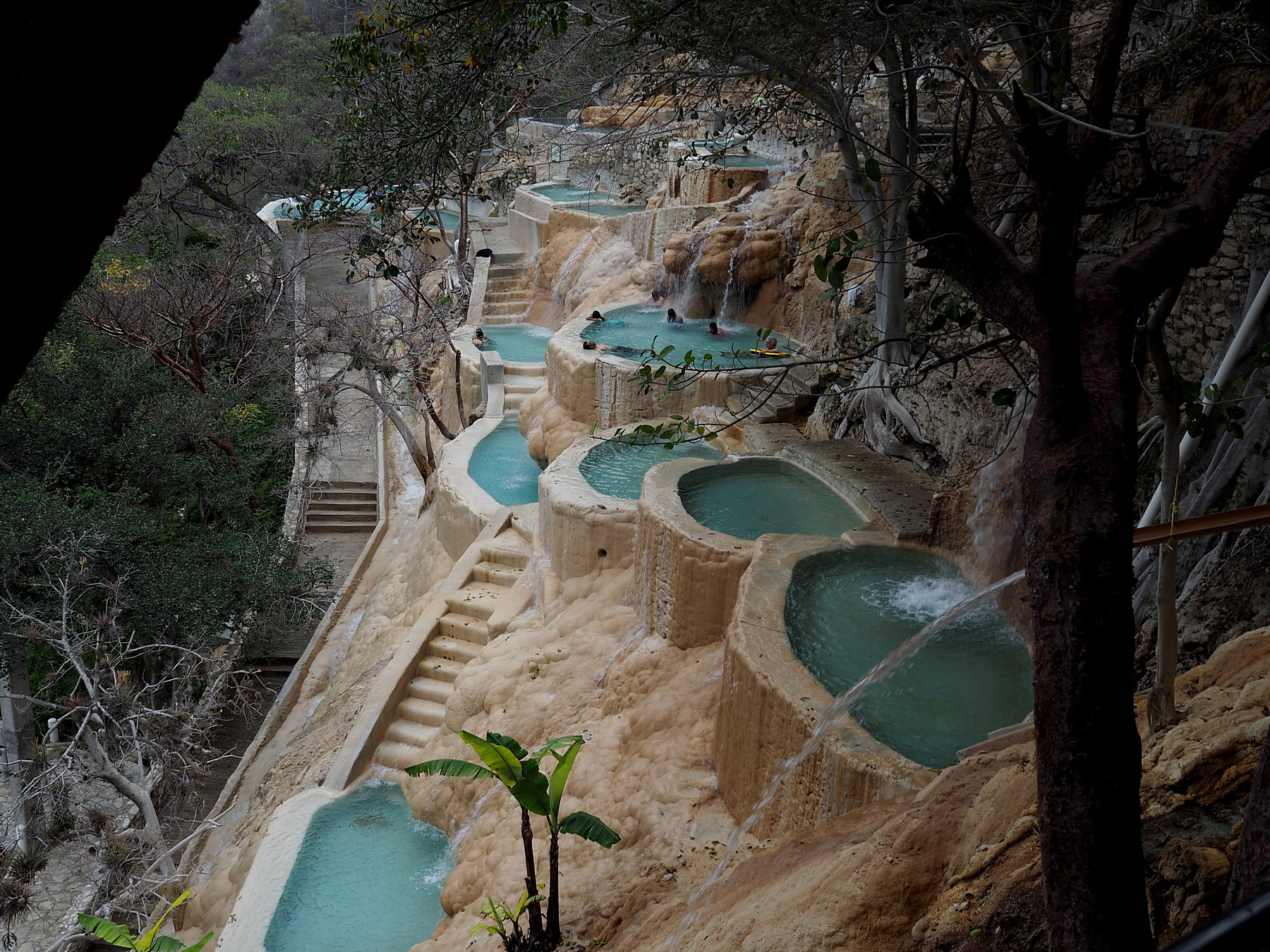 Pools am Berghang
