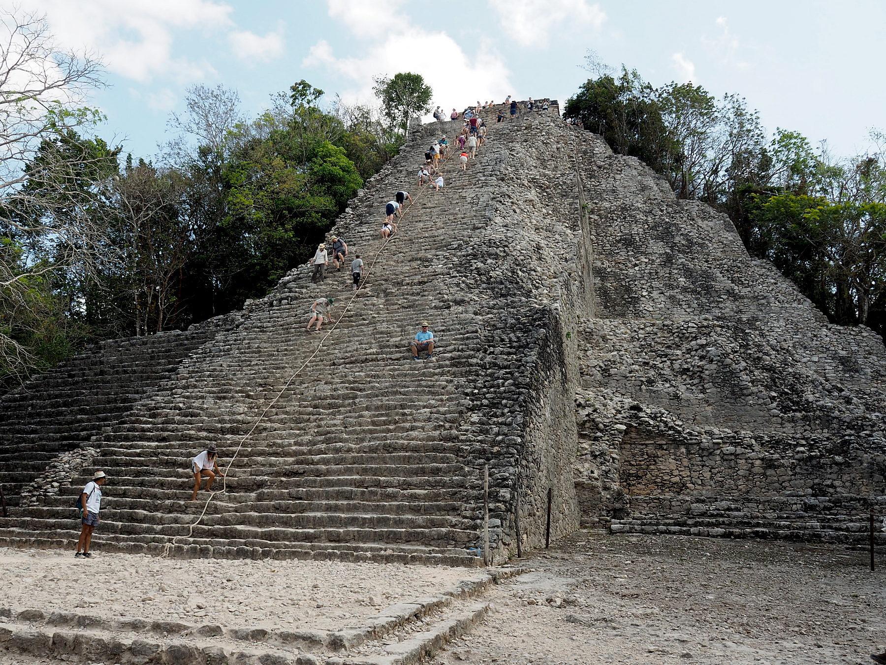 Klettertour auf die Ixmoja Pyramide, 42m hoch und sehr steil