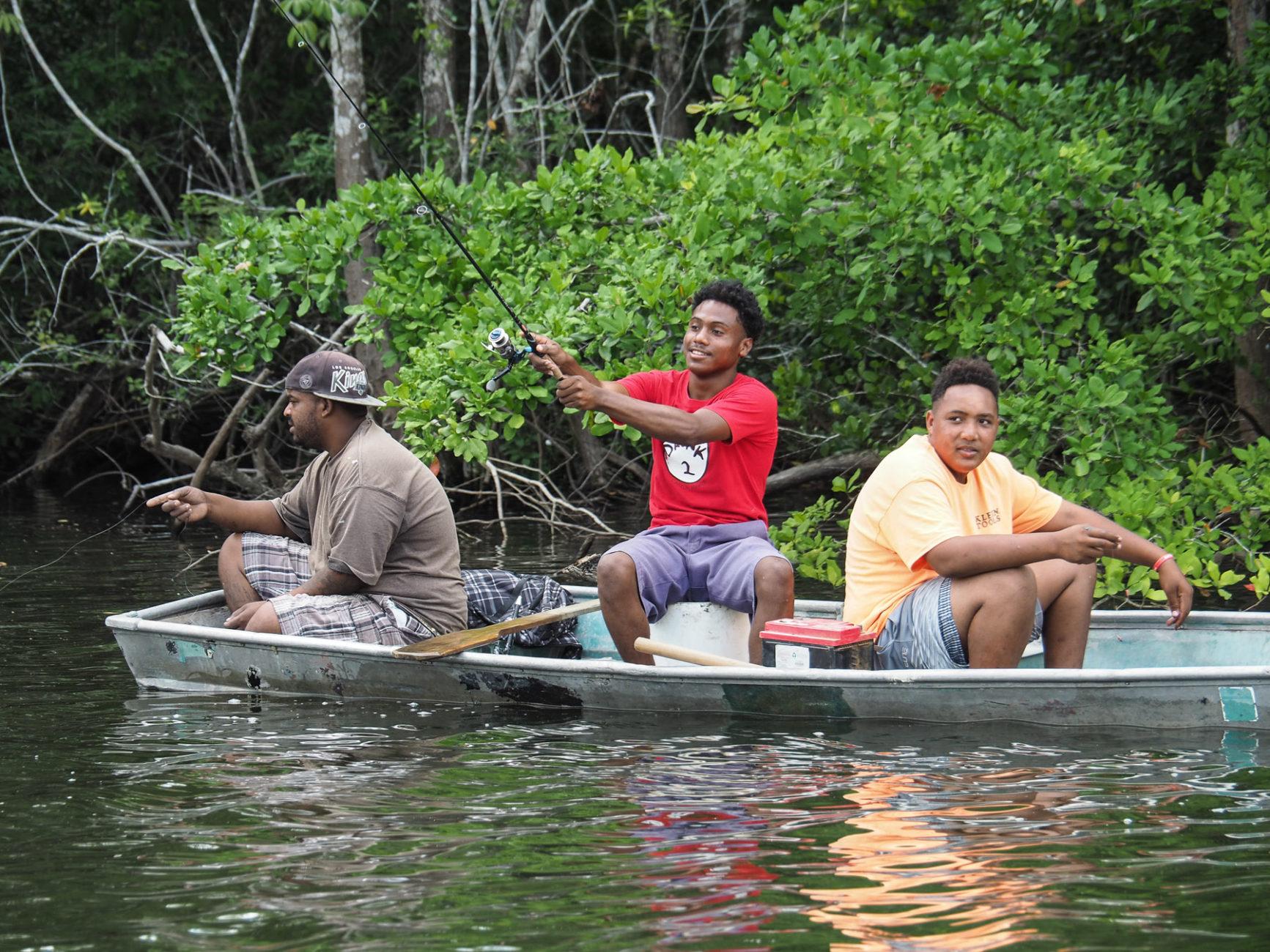 Begegnung auf der Bootsfahrt zu den Ruinen Lamanai