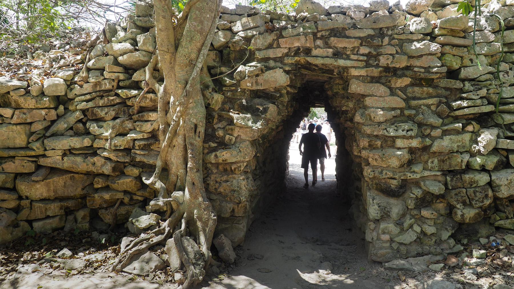 Eingang zu den Ruinen von Tulum