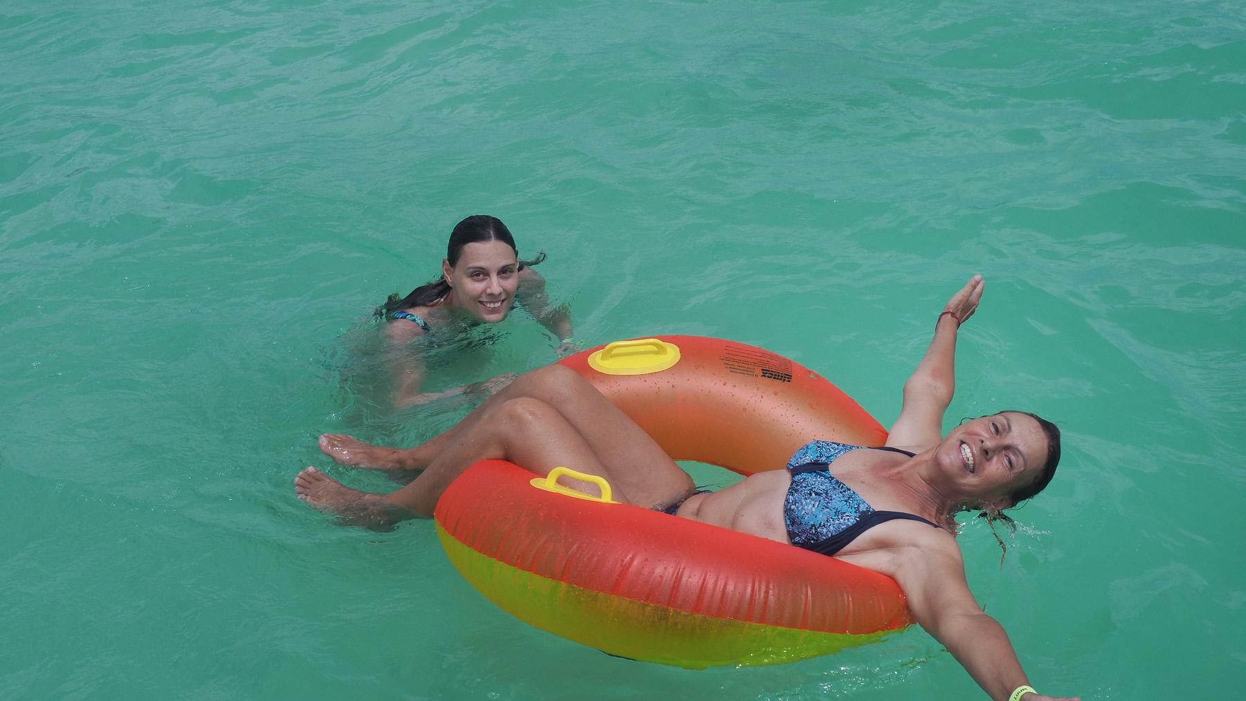 Badespaß in der Lagune Kaa Pan