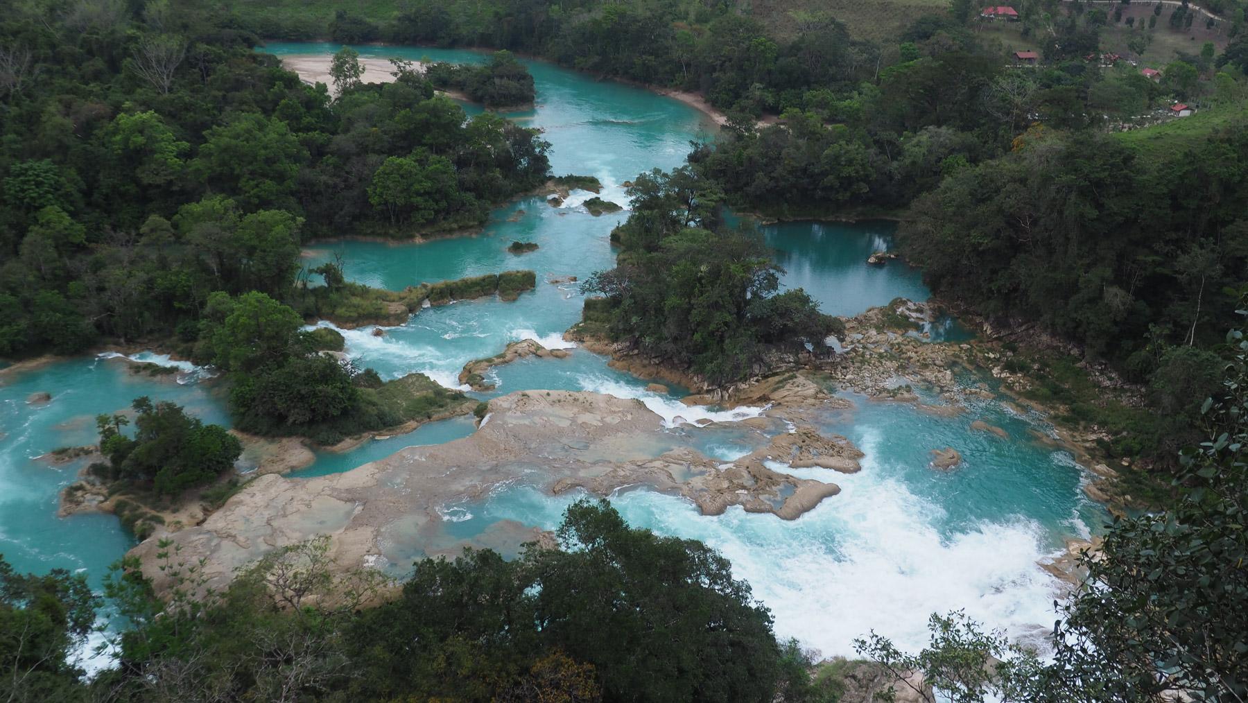 Wunderschöne türkisblaue Flüsse in Chiapas