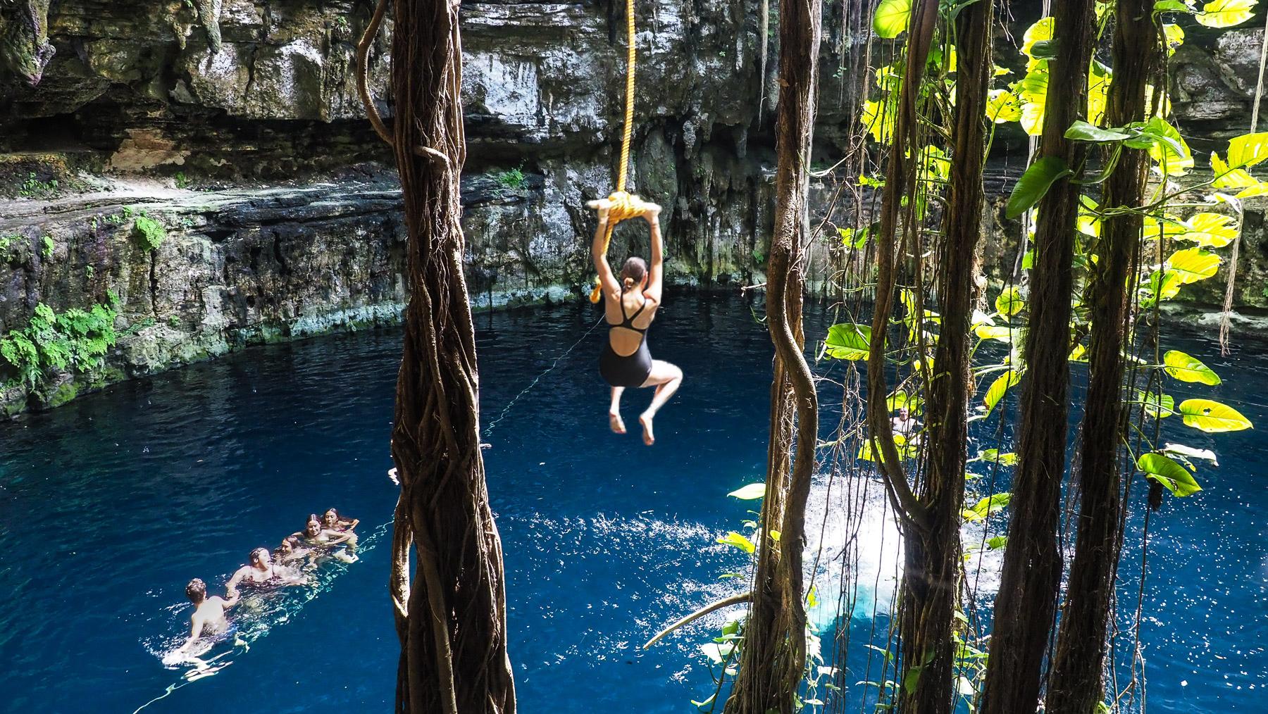 Mutprobe in der Cenote Ozman