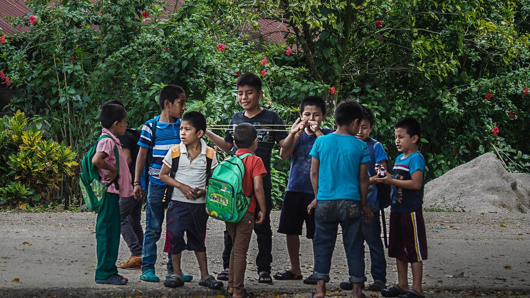 Spielende Kinder in Chiapas