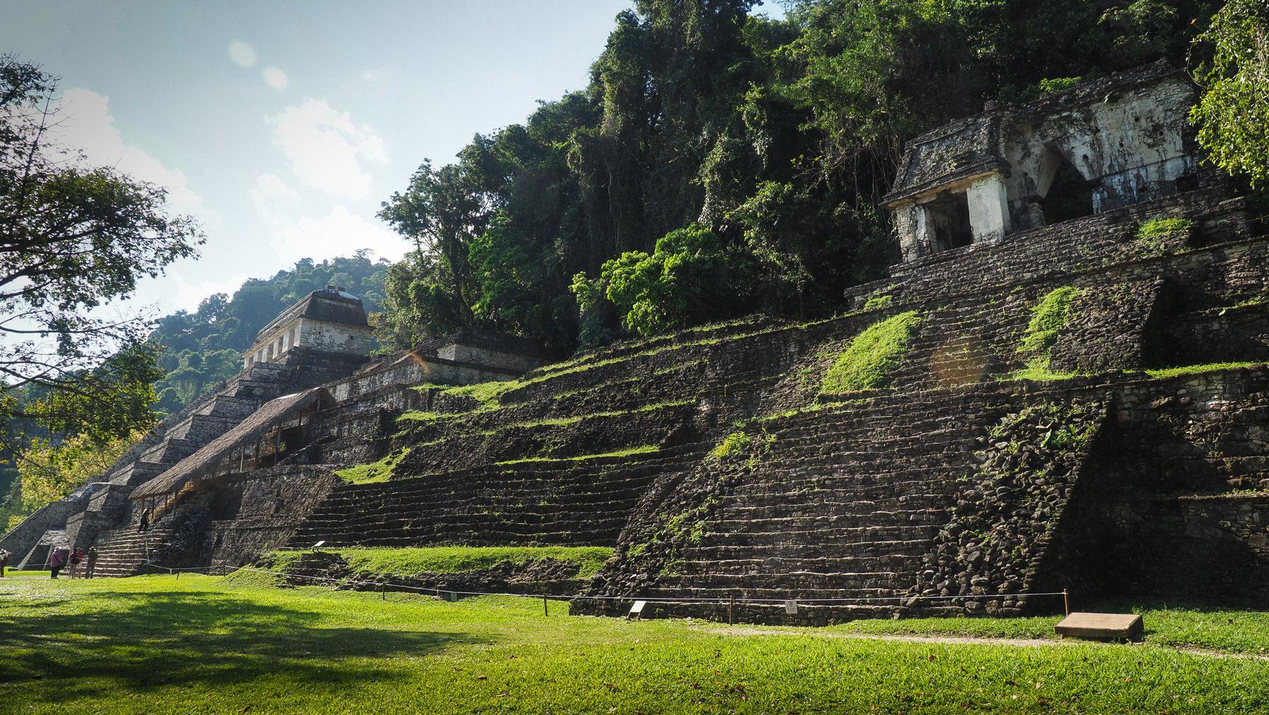 Die meisten Monumente sind Grabmäler bzw. Tempel