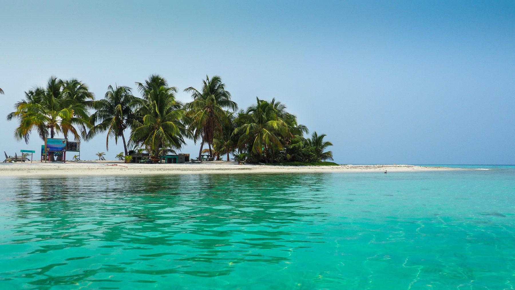 Eine der vielen Cayes entlang des mesoamerican Reefs