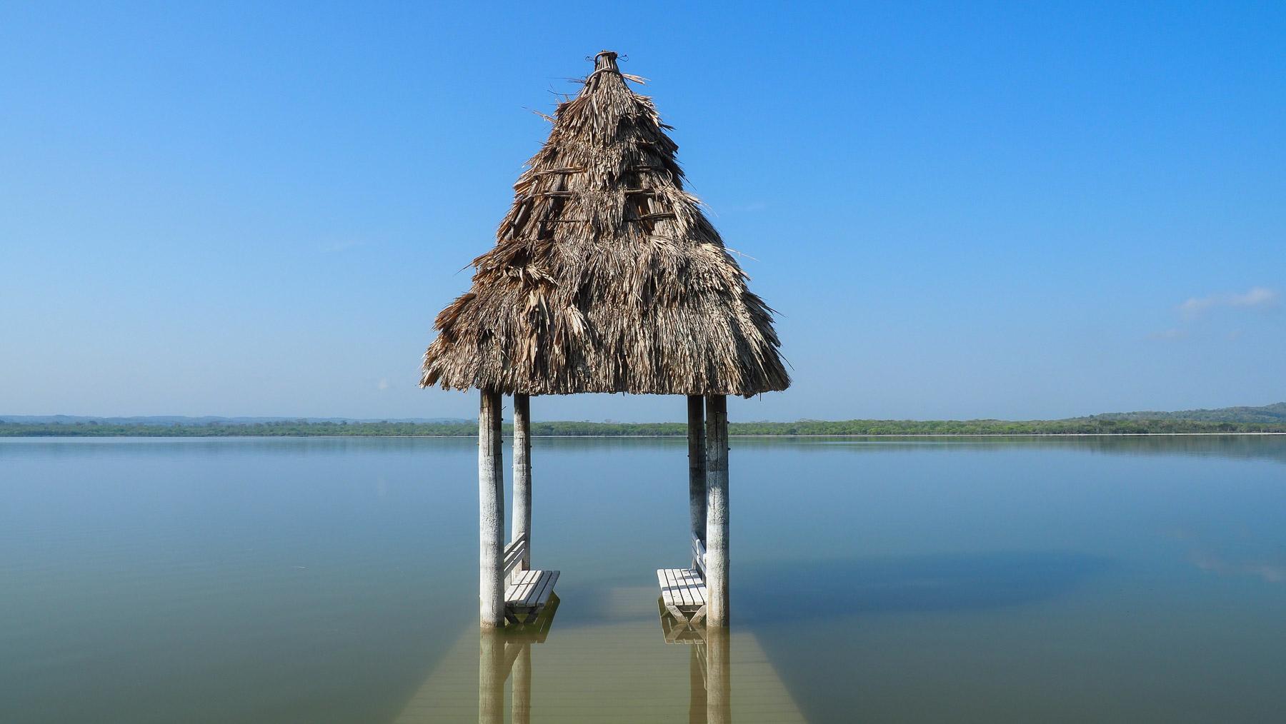 Ehemaliger Bootsanlegeplatz an dem einsamen See