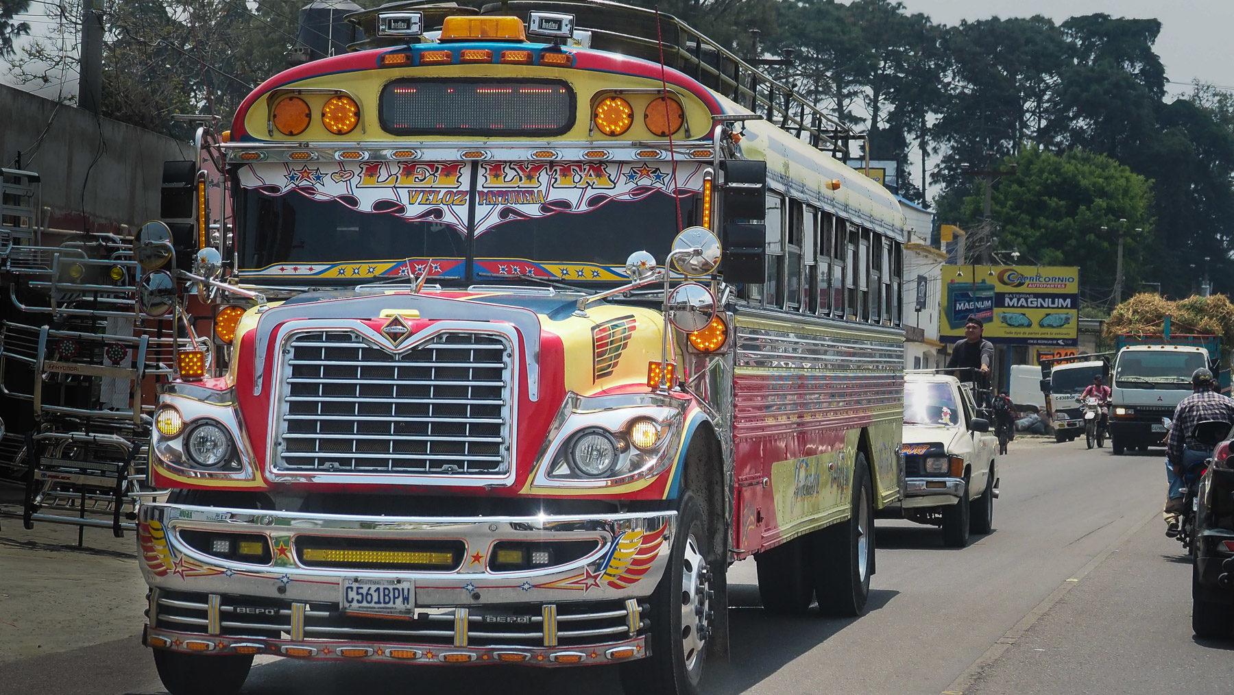 Das geheime Wahrzeichen von Guatemala: die farbenfrohen Chicken-Busse