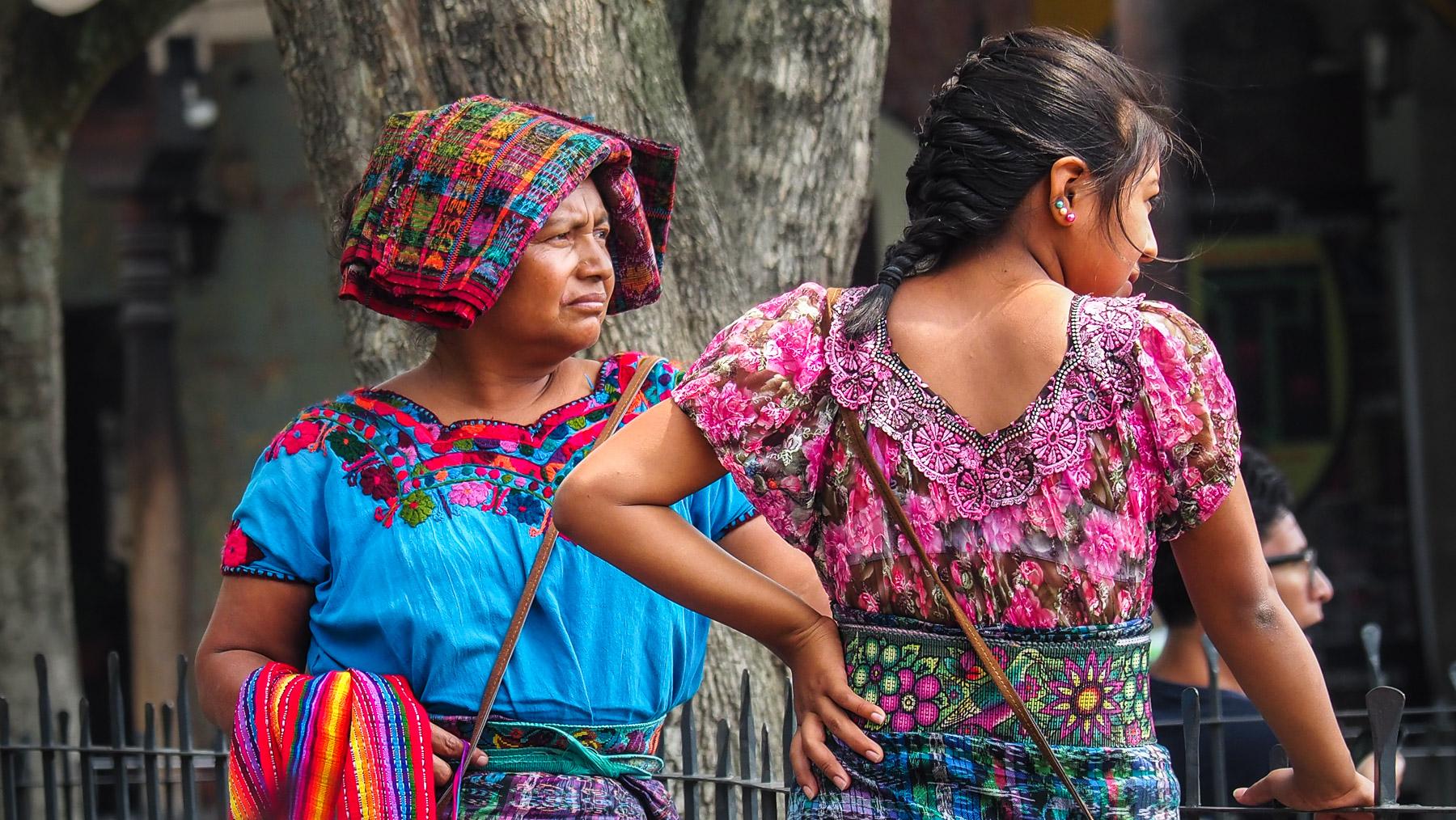 Die schöne Tracht der Frauen in Guatemala