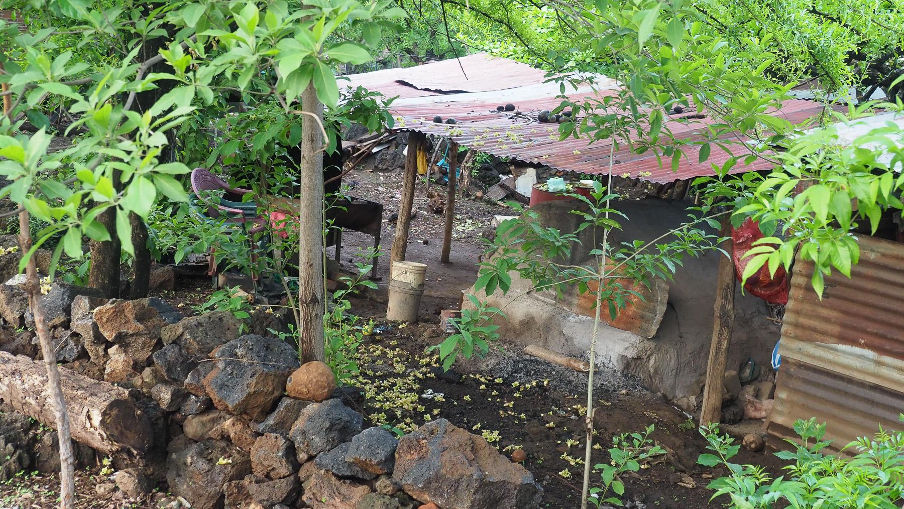Ärmliche Behausungen am Weg zum Cerro Negro