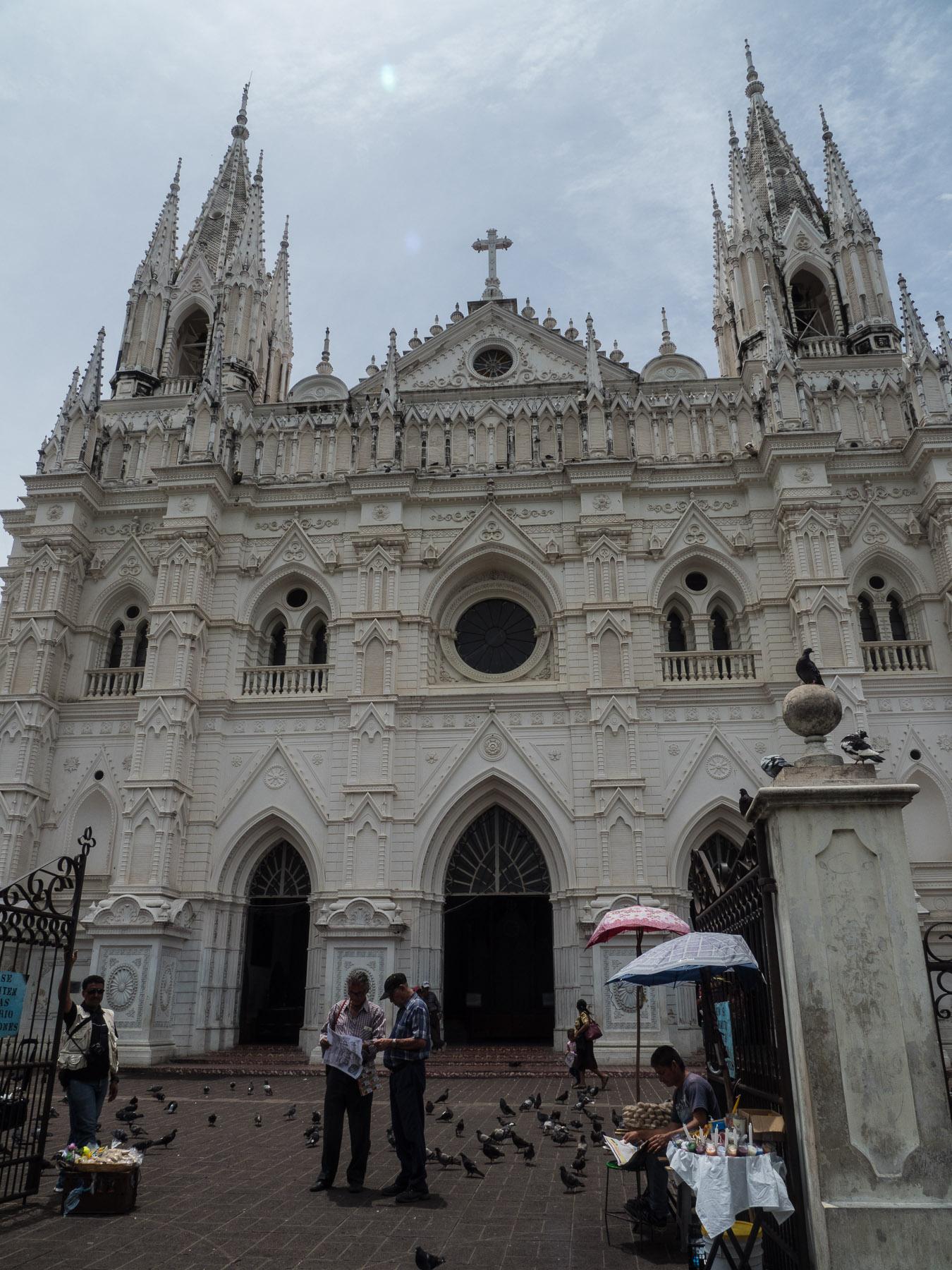 Schöne Kathedrale im Zentrum