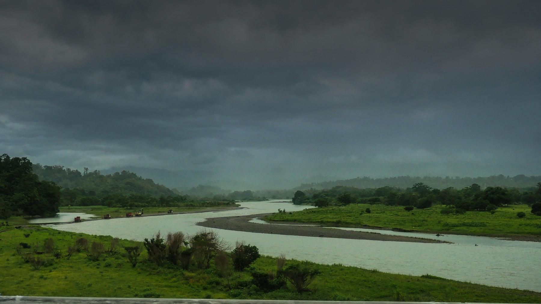 Grenzfluss Costa Rica - Panama, Mitten in der Regenzeit