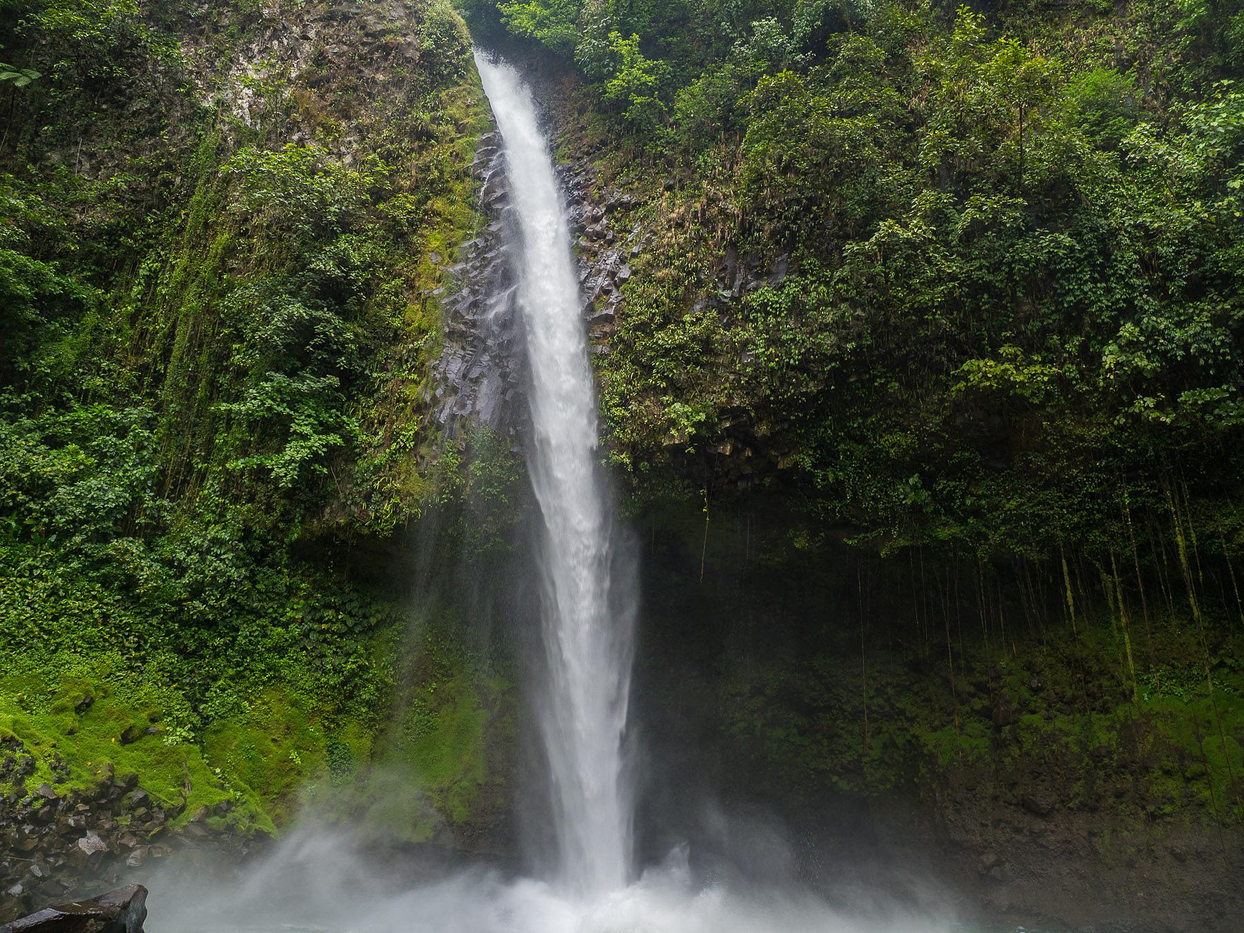 La Fortuna Wasserfall wie aus dem Bilderbuch