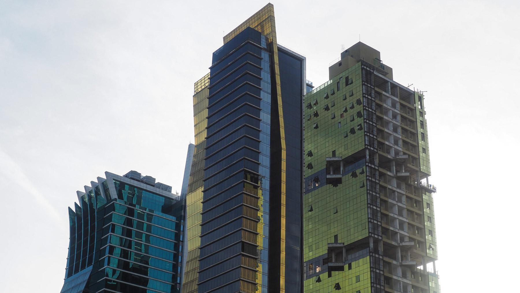 Hauptsächlich Banken. Über 100 internationale Banken sind in Panama City vertreten